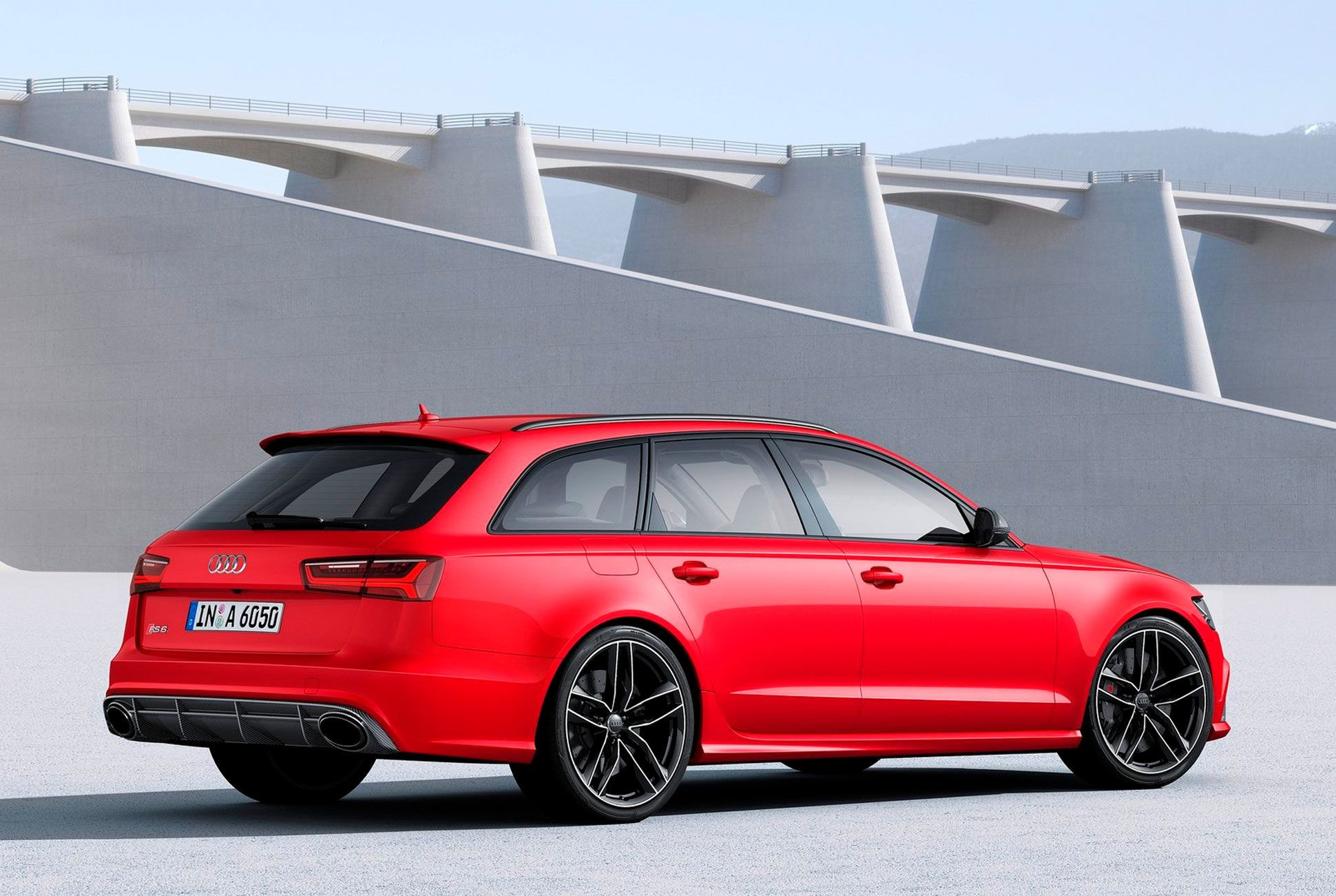 RS6-Avant-Gear-Patrol-slide-2