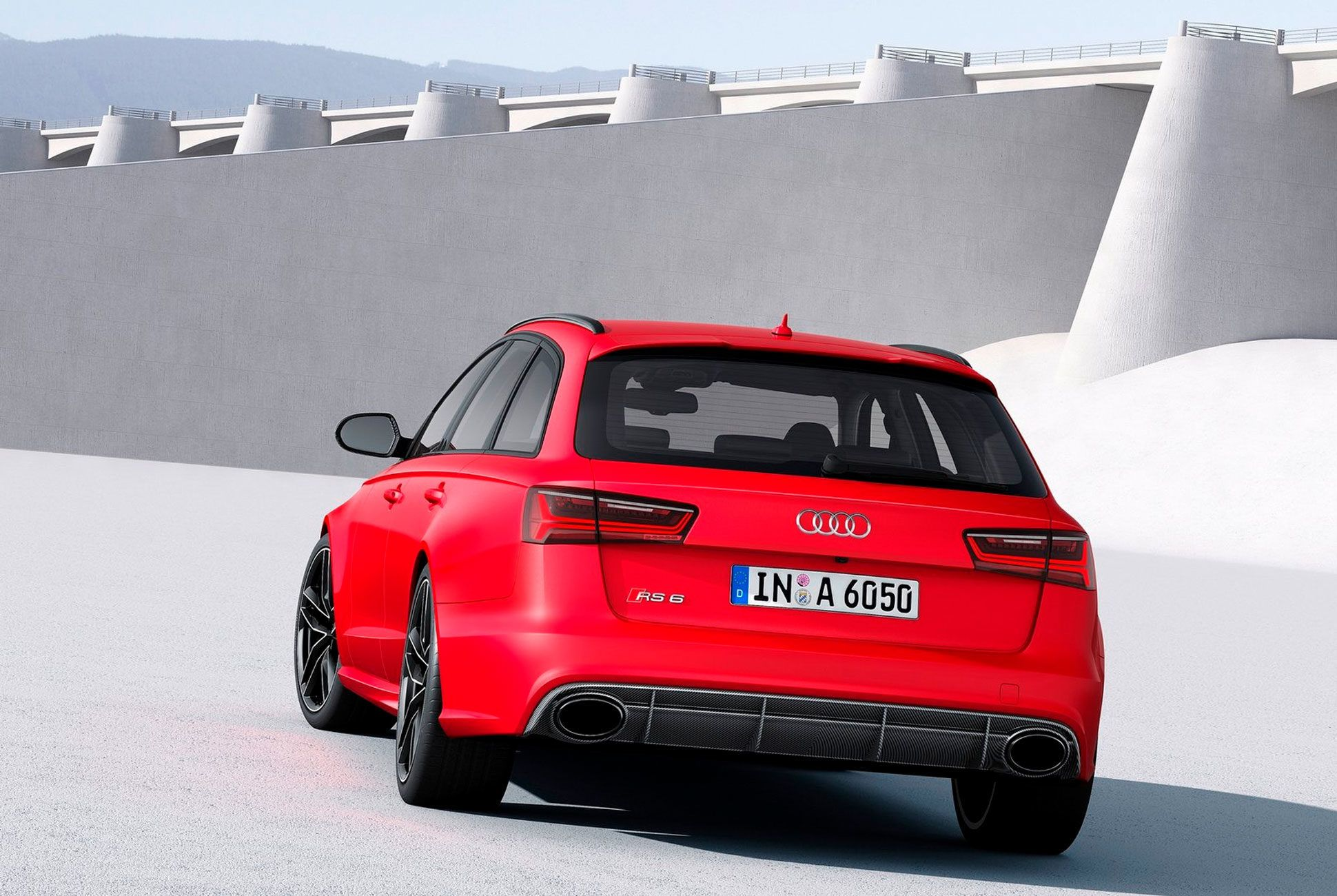 RS6-Avant-Gear-Patrol-slide-3
