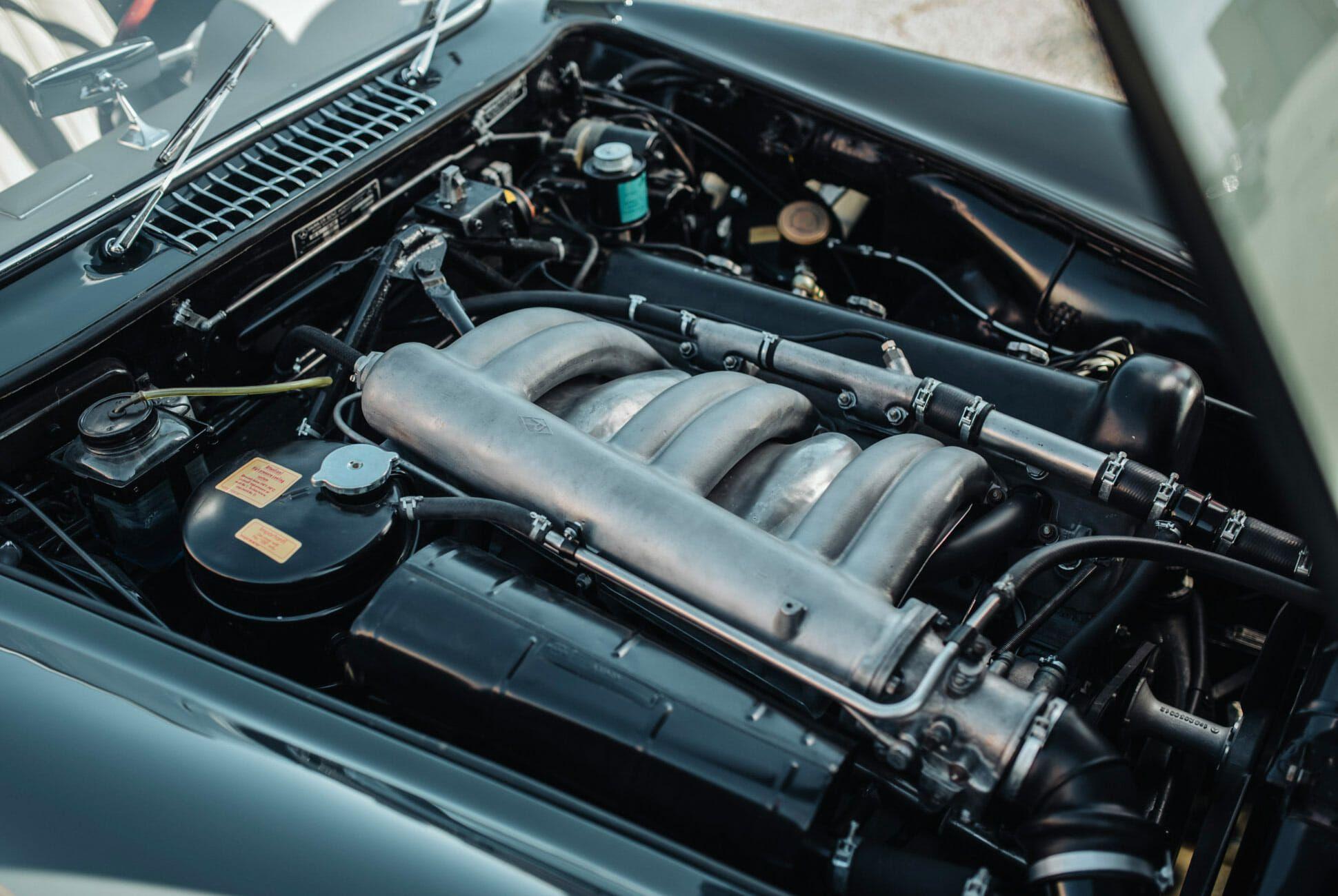 1956-Mercedes-Benz-300SL-Gullwing-gear-patrol-slide-8