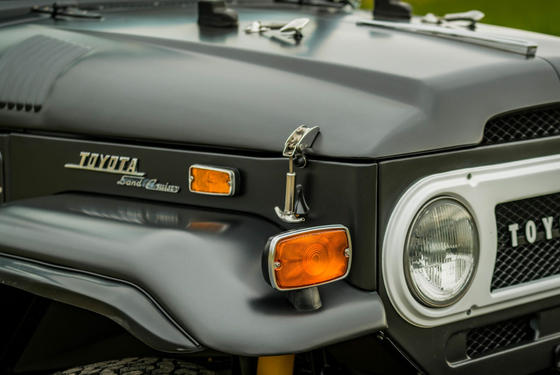 1971-Toyota-Land-Cruiser-FJ40-gear-patrol-slide-6