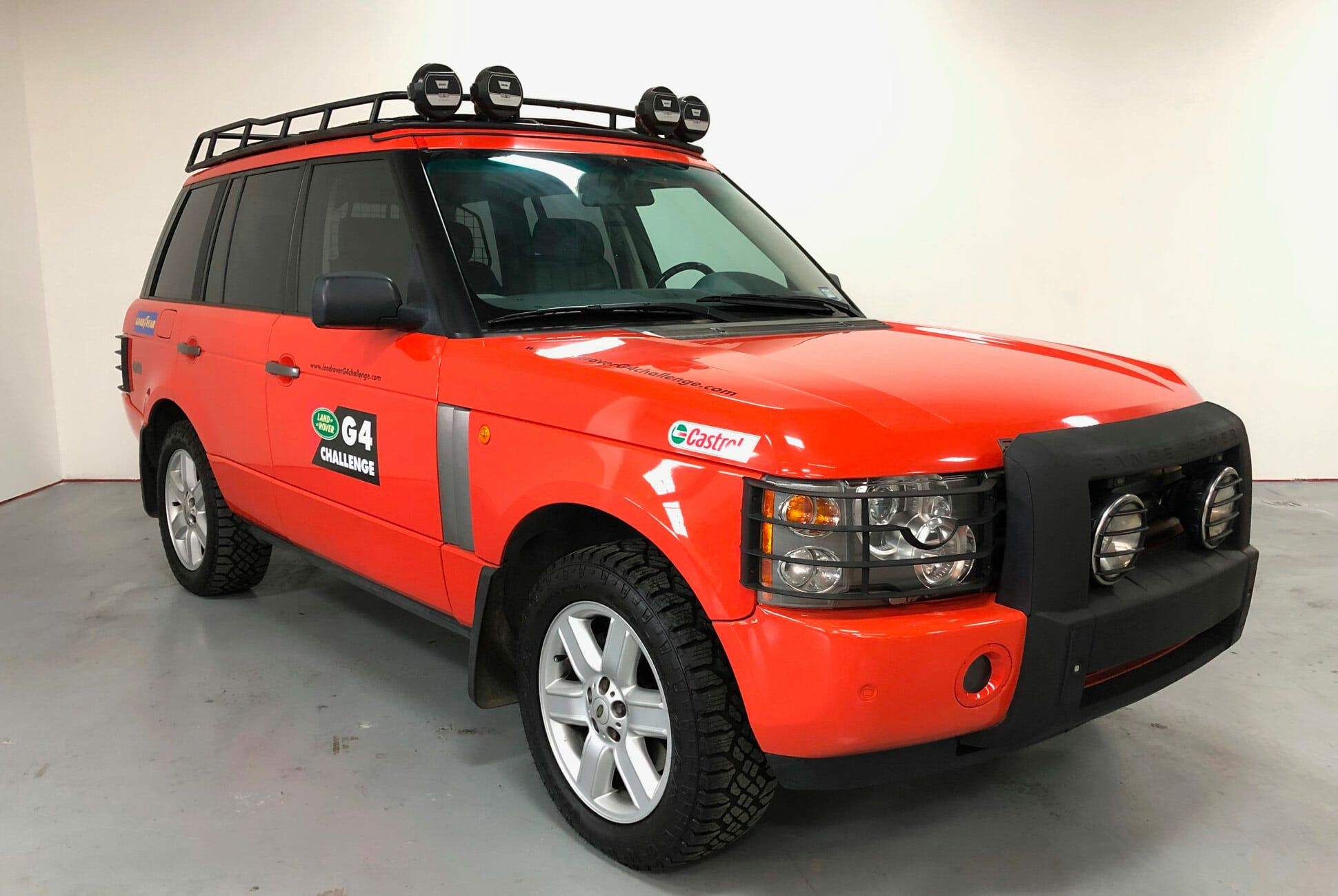 2003-Land-Rover-Range-Rover-G4-gear-patrol-slide-1