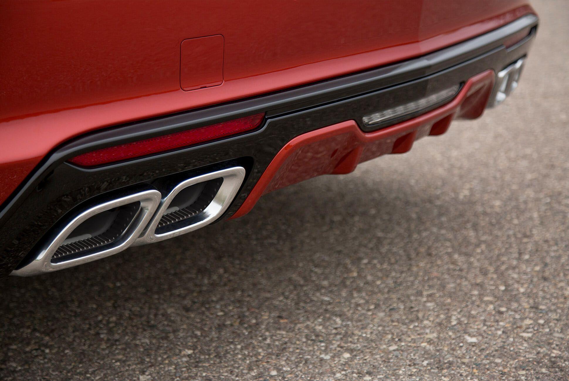 Cadillac-CT4-V-and-CT5-V-Gear-Patrol-slide-3