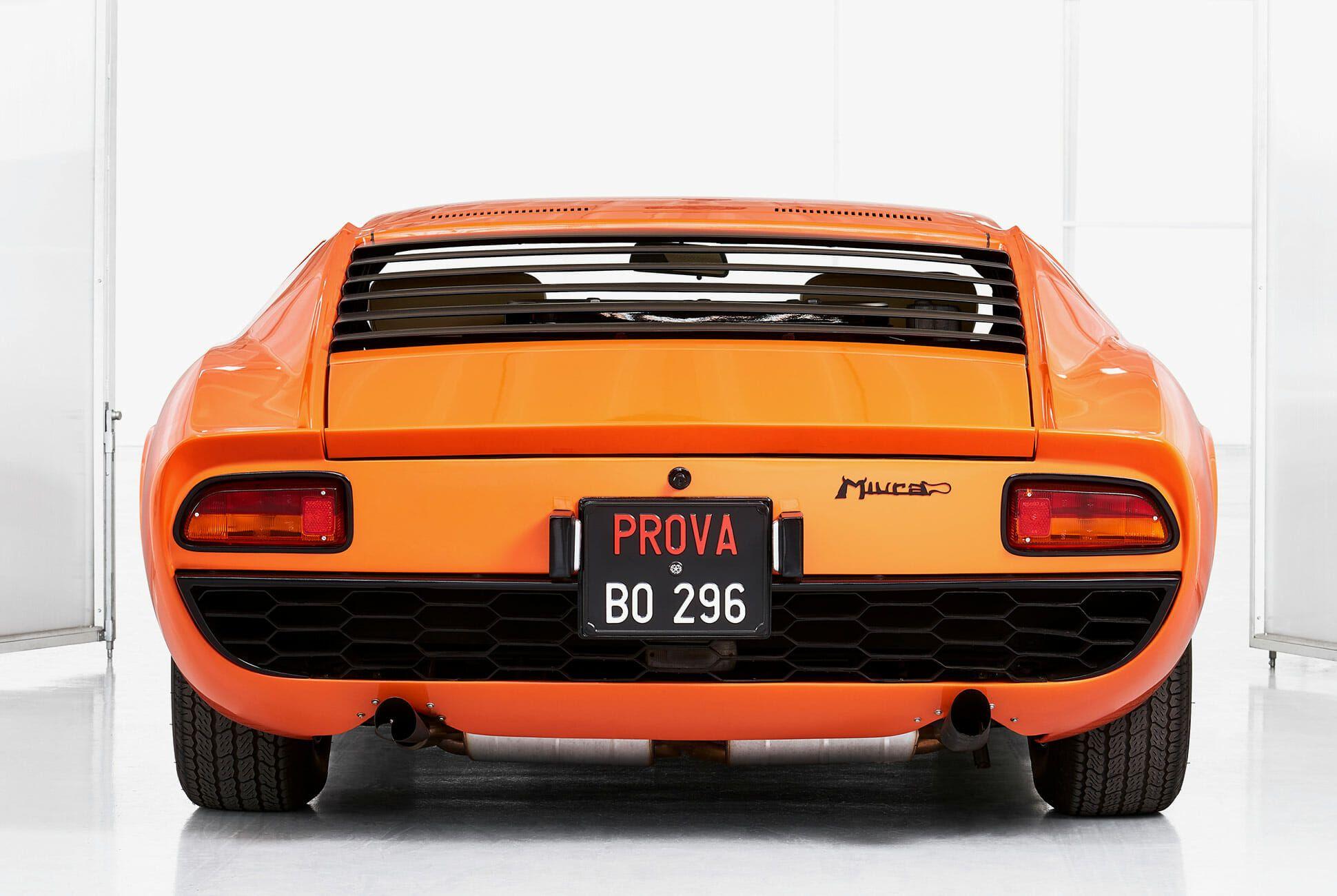 Lamborghini-Miura-P400-Italian-Job-gear-patrol-slide-4
