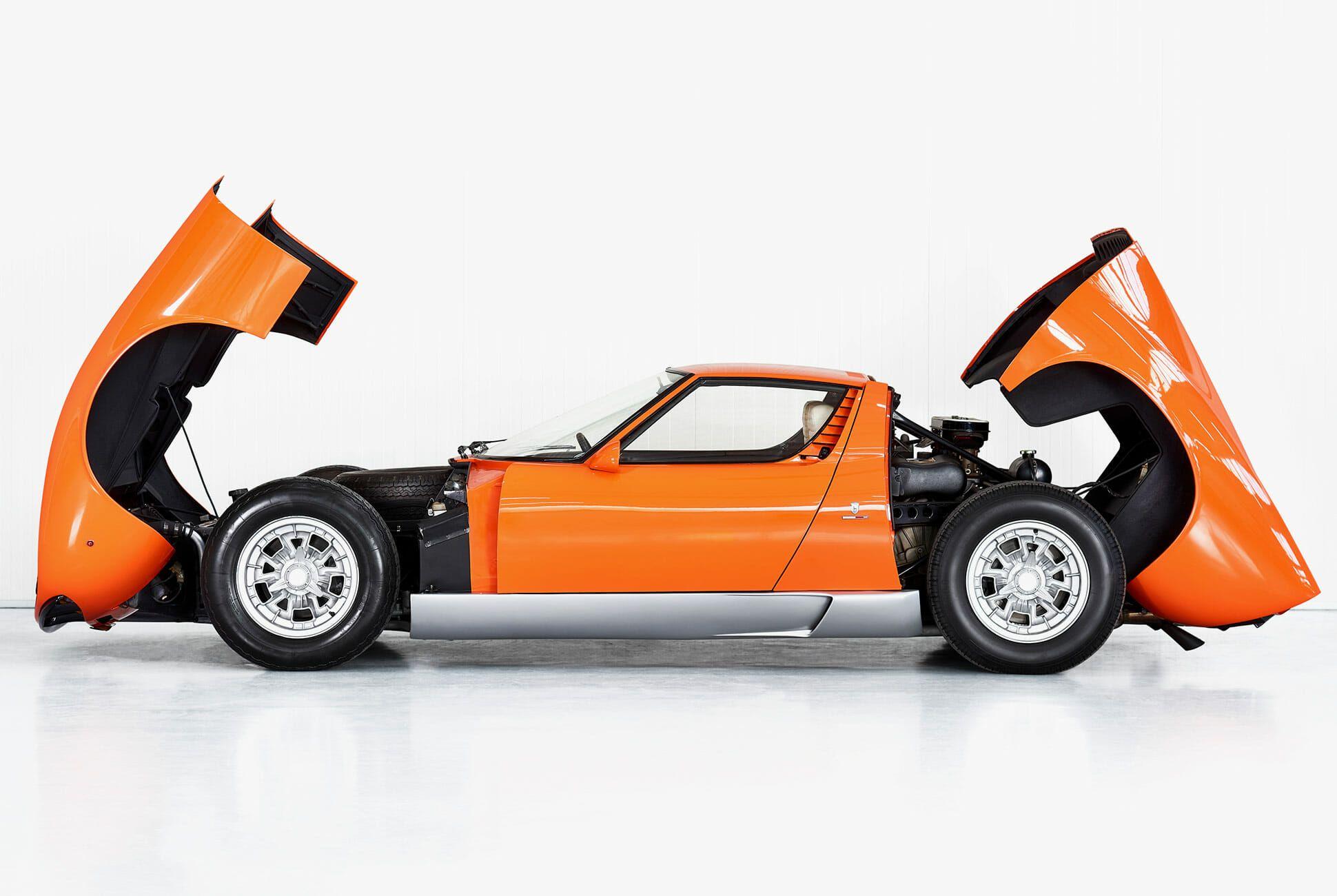 Lamborghini-Miura-P400-Italian-Job-gear-patrol-slide-5