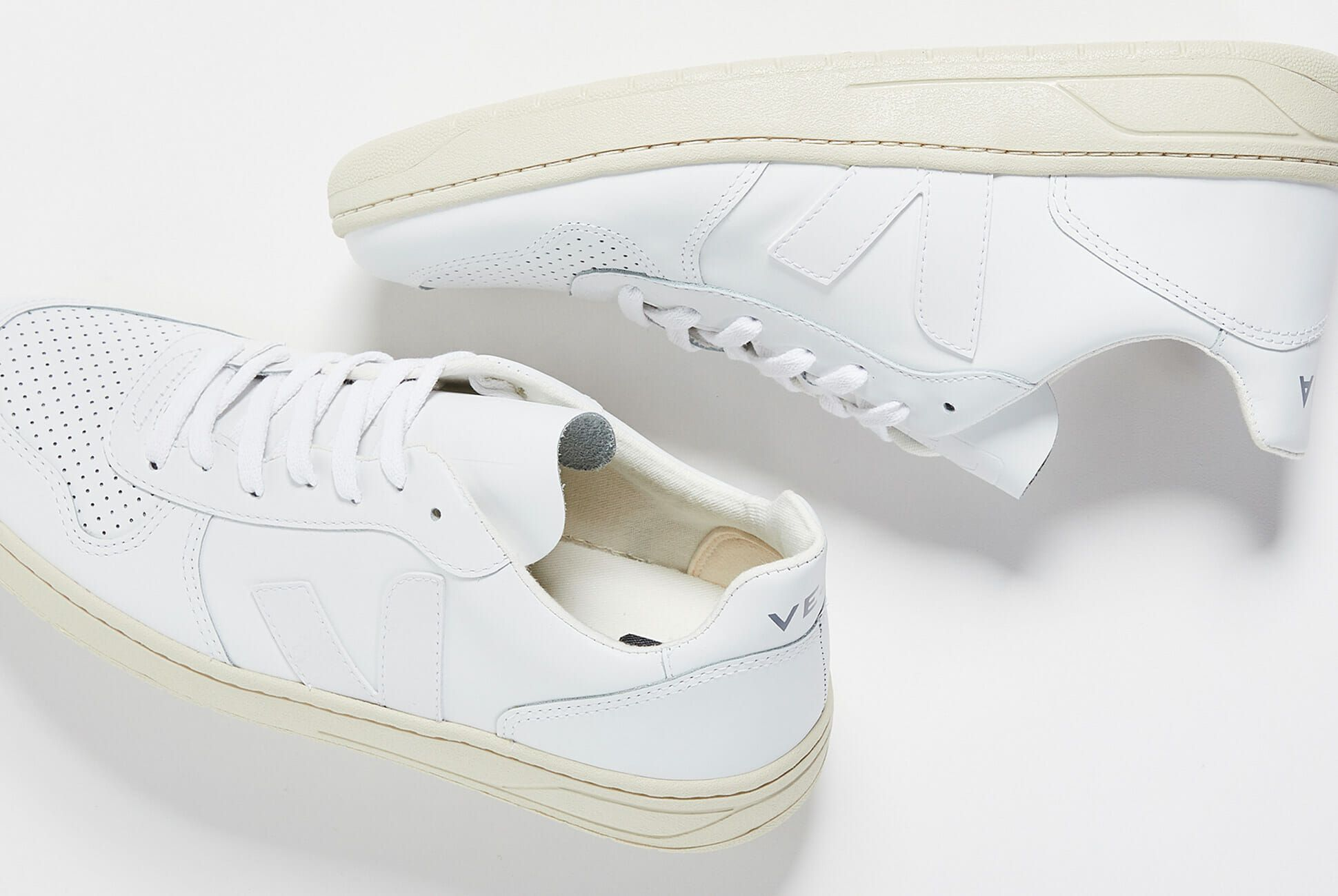 10 White Sneakers to Wear All Summer Long </p>                     </div> </div>          <!-- tab-area-end --> </div> <!--bof also purchased products module-->  <!--eof also purchased products module--> <!--bof also related products module--> <!--eof also related products module--> <!--bof Prev/Next bottom position -->         <!--eof Prev/Next bottom position --> <!--bof Form close--> </form> <!--bof Form close--> </div> <div style=