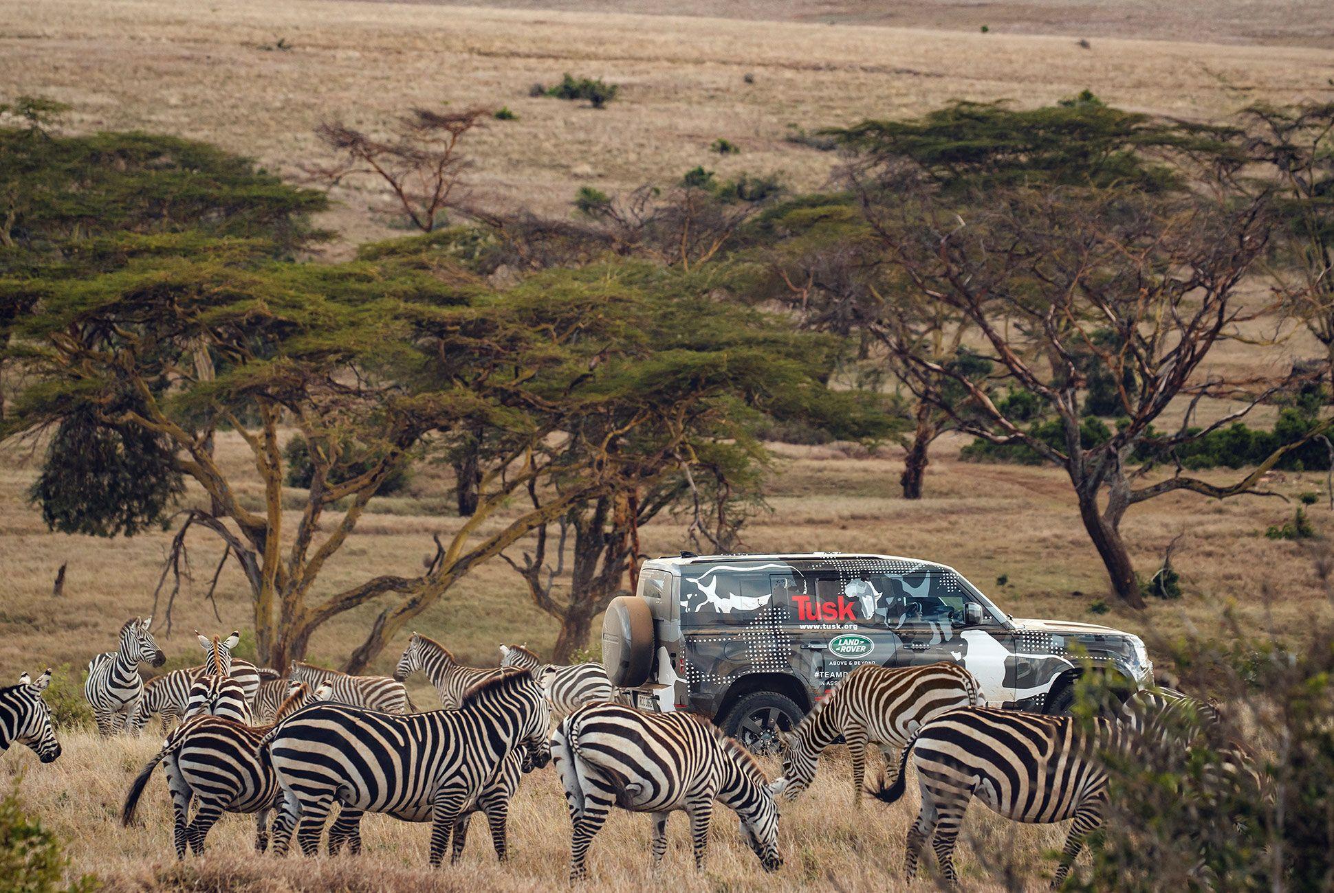 Land-Rover-Defender-Africa-Testing-gear-patrol-slide-2