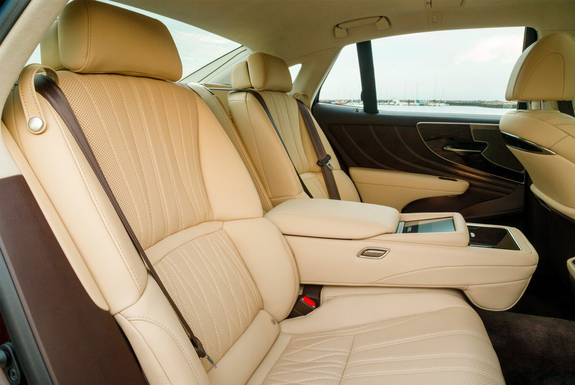 Lexus-LS-500-AWD-Review-gear-patrol-slide-7