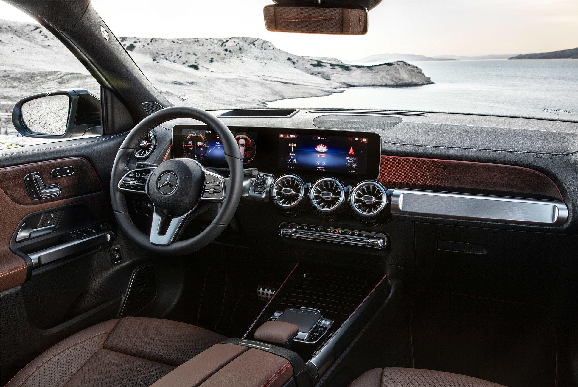 Mercedes-Benz-GLB-250-gear-patrol-slide-10