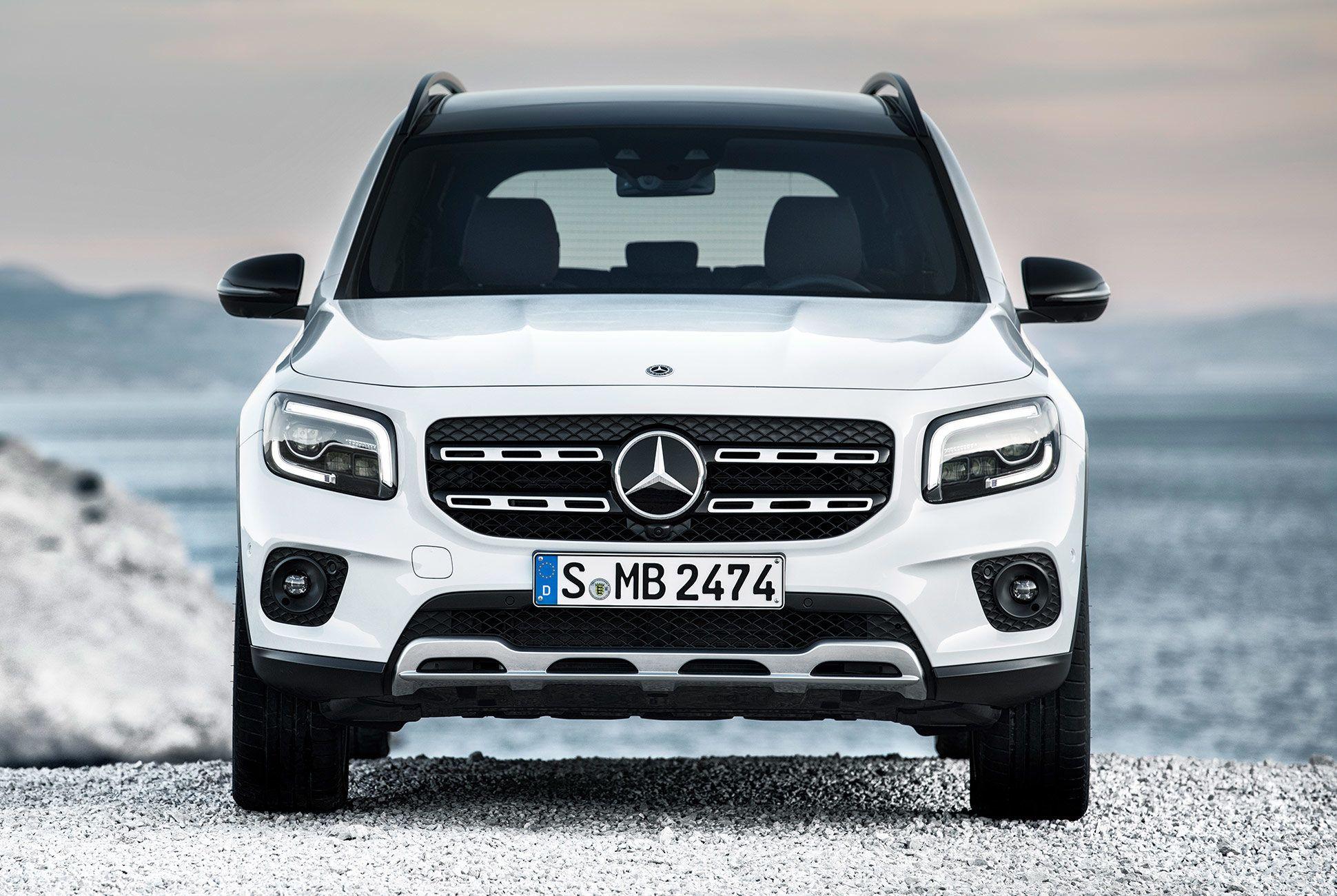 Mercedes-Benz-GLB-250-gear-patrol-slide-4