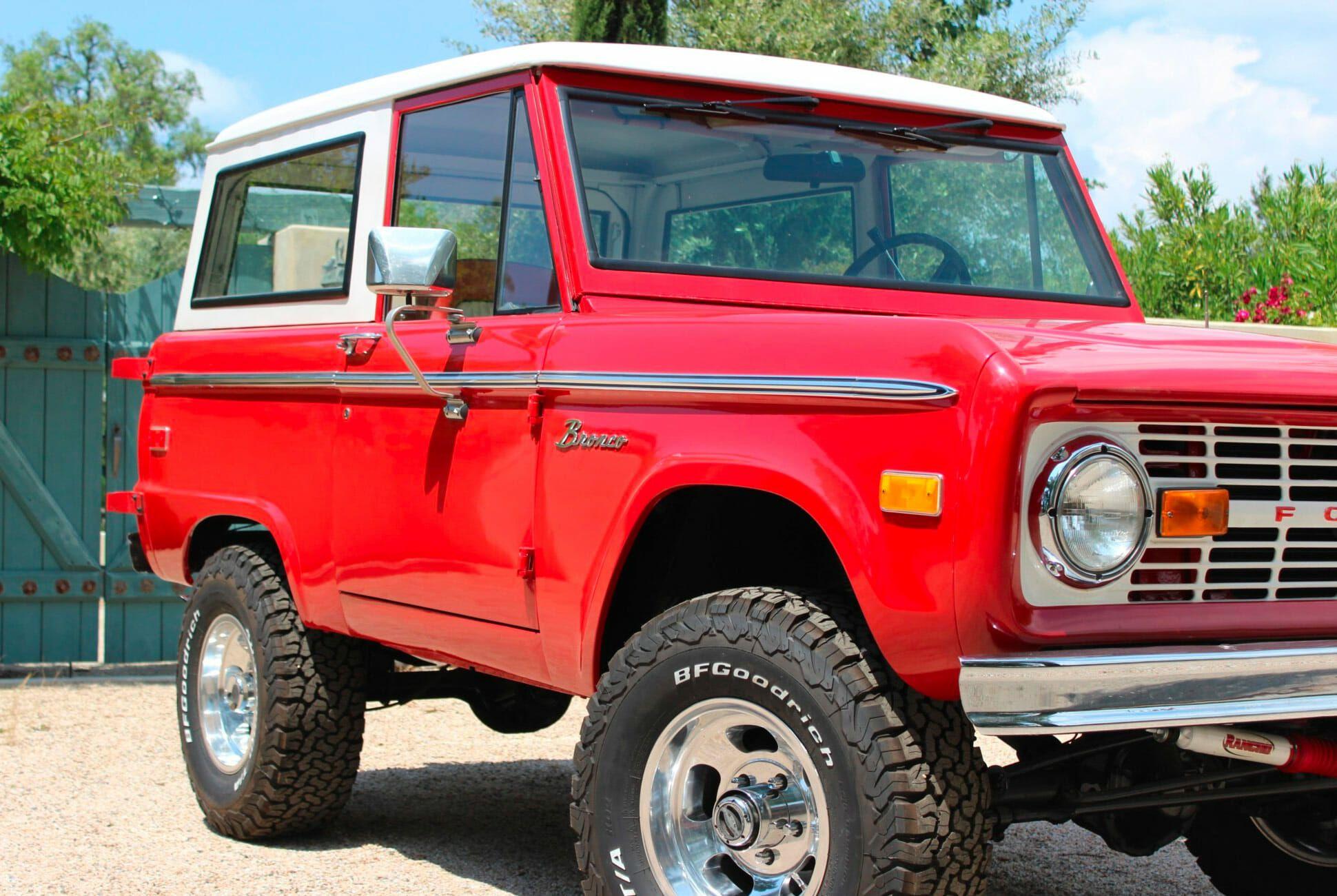 1975-Ford-Bronco-gear-patrol-slide-2