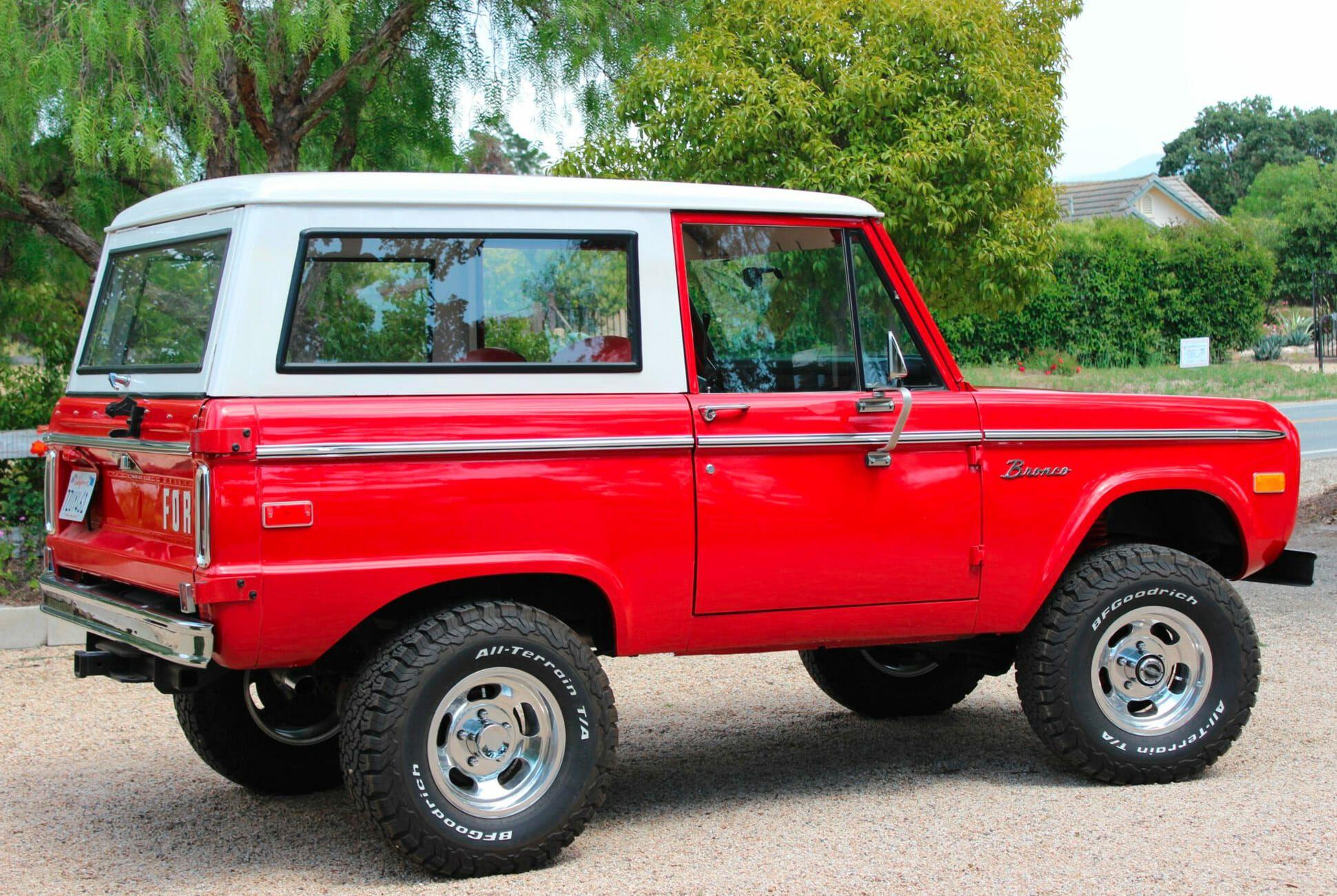 1975-Ford-Bronco-gear-patrol-slide-4