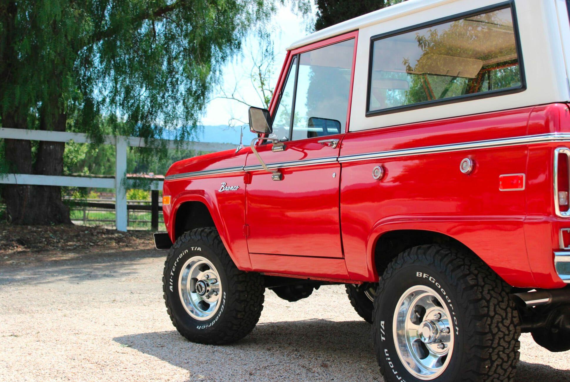 1975-Ford-Bronco-gear-patrol-slide-5