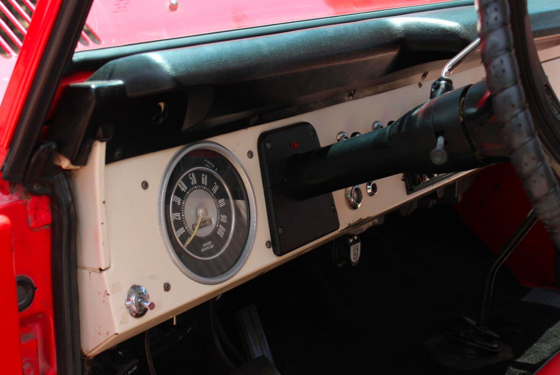 1975-Ford-Bronco-gear-patrol-slide-6