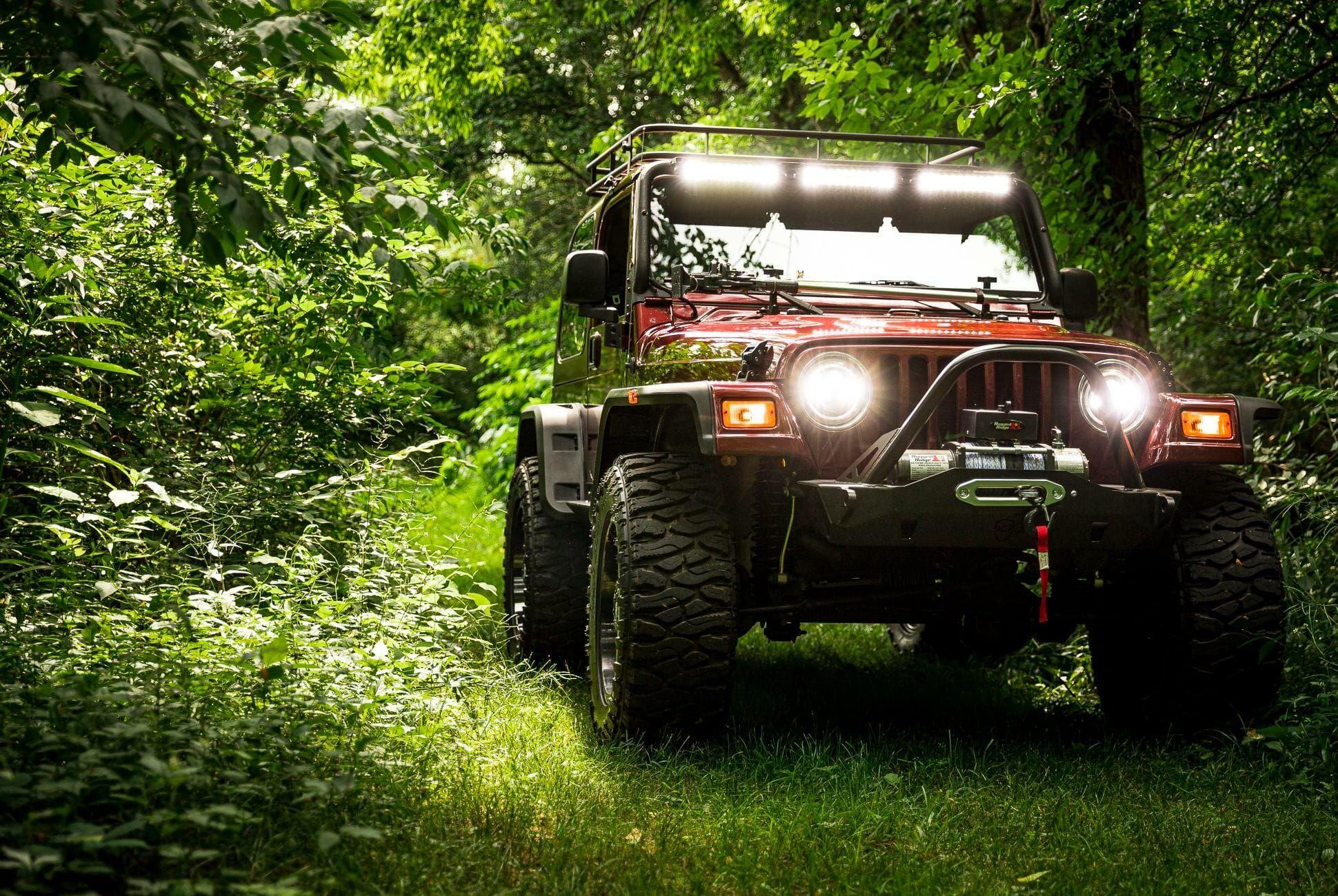 2004-Jeep-Wrangler-gear-patrol-slide-01