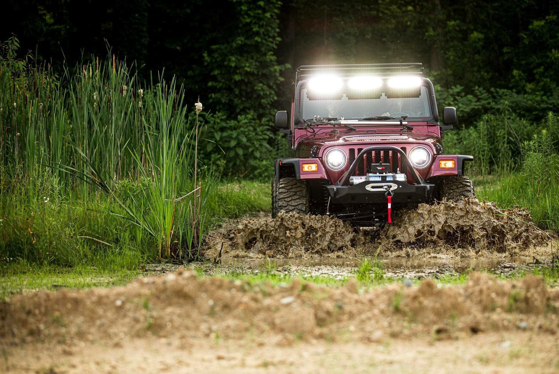 2004-Jeep-Wrangler-gear-patrol-slide-02
