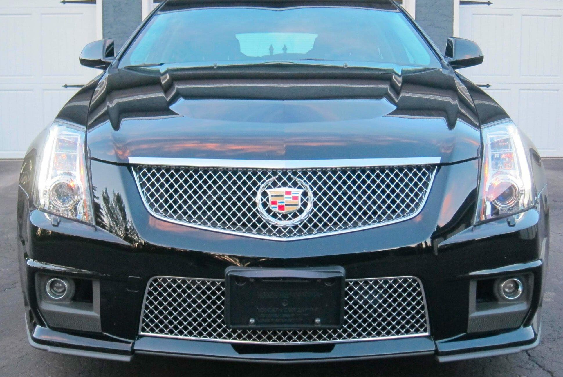 2011-Cadillac-CTS-V-Wagon-Manual-gear-patrol-slide-5