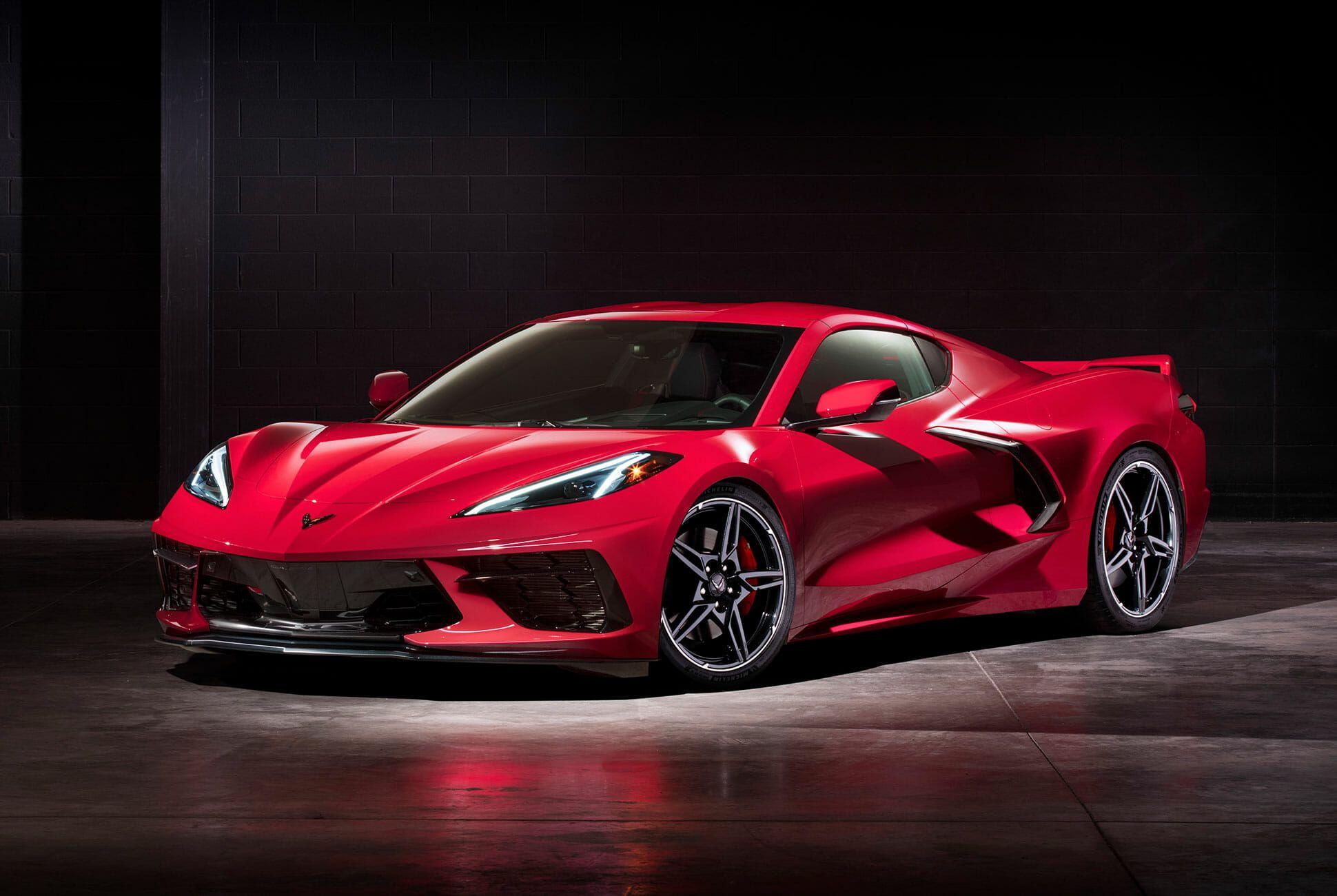2020-Chevrolet-Corvette-Stingray-gear-patrol-slide-1