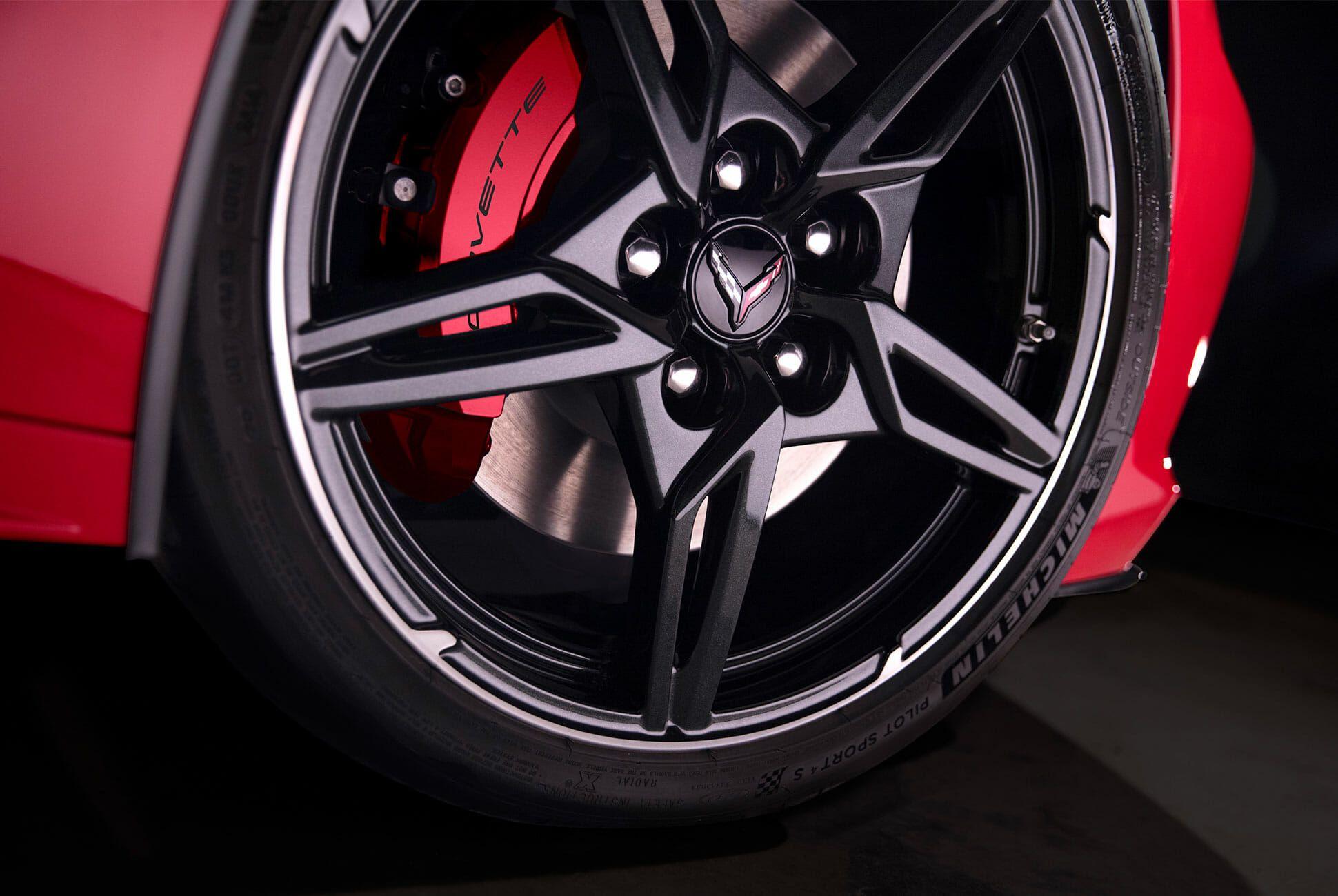 2020-Chevrolet-Corvette-Stingray-gear-patrol-slide-10