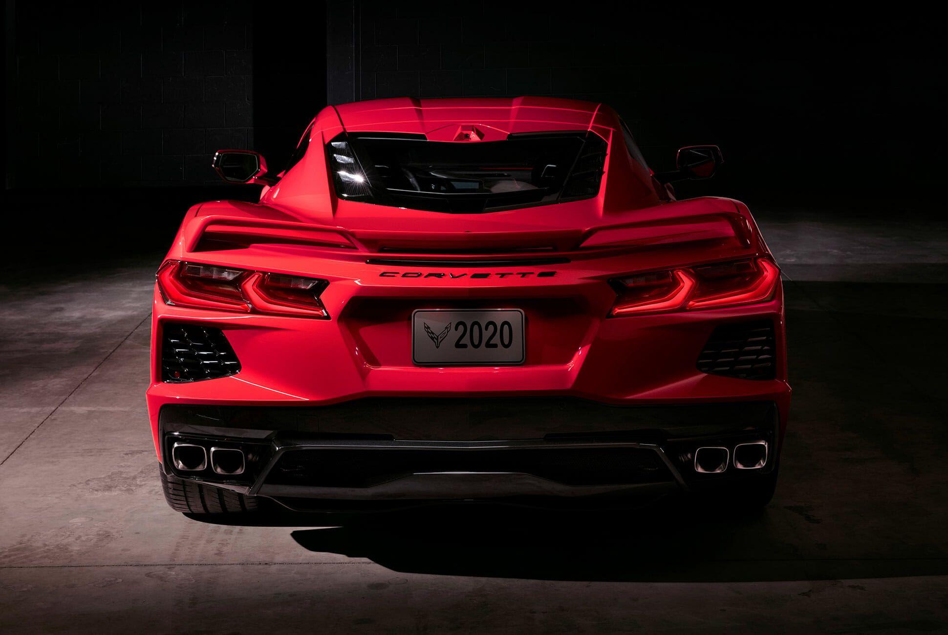 2020-Chevrolet-Corvette-Stingray-gear-patrol-slide-4