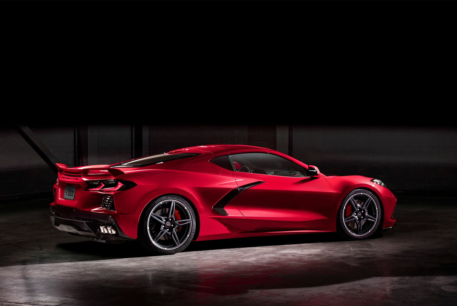 2020-Chevrolet-Corvette-Stingray-gear-patrol-slide-5