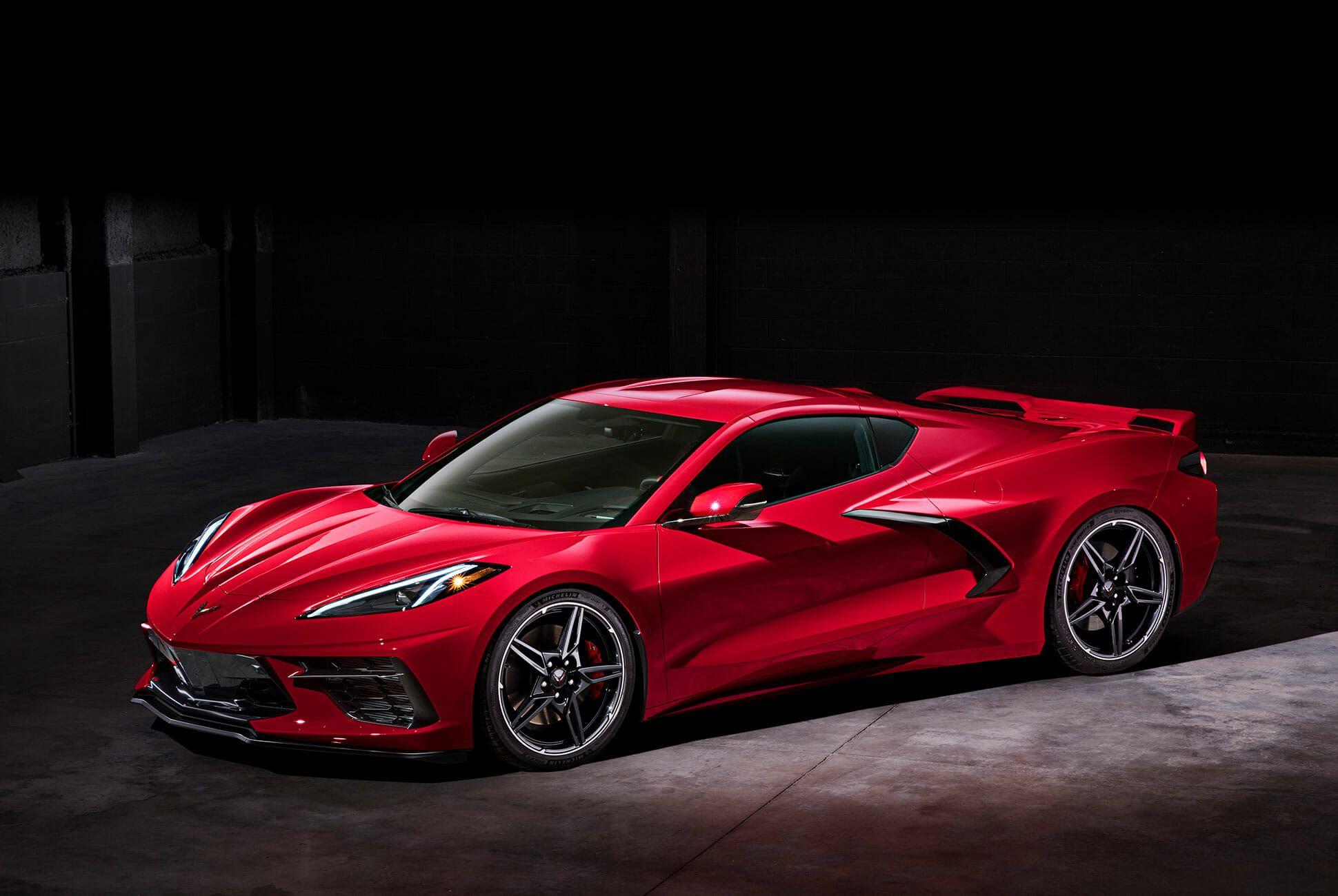 2020-Chevrolet-Corvette-Stingray-gear-patrol-slide-6