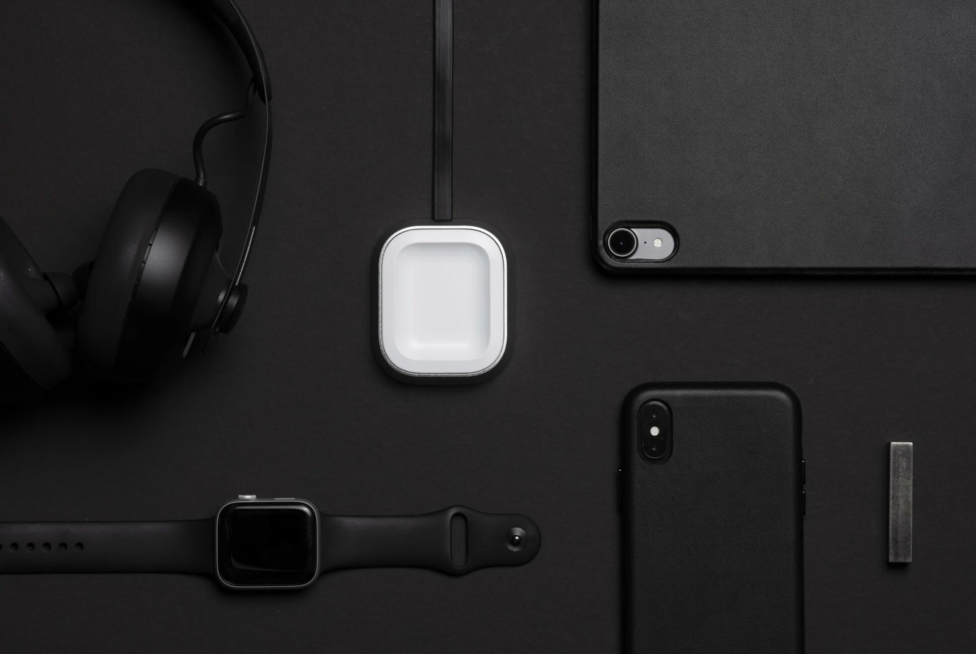 Airpods-Charger-Gear-Patrol-Slide-1