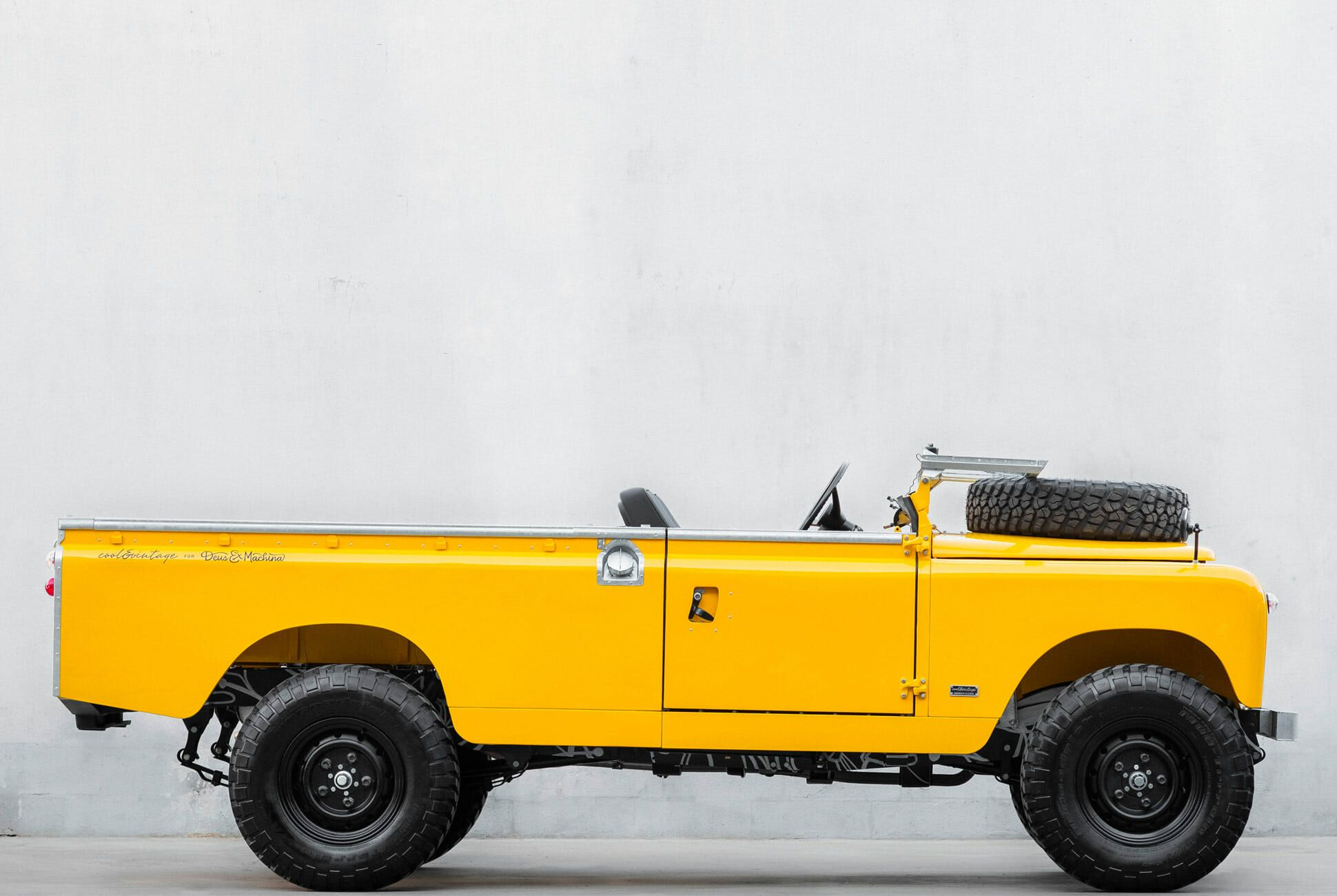 Cool-n-Vintage-x-Deus-Ex-Machina-Land-Rover-Yellow-Landmarine-gear-patrol-slide-3