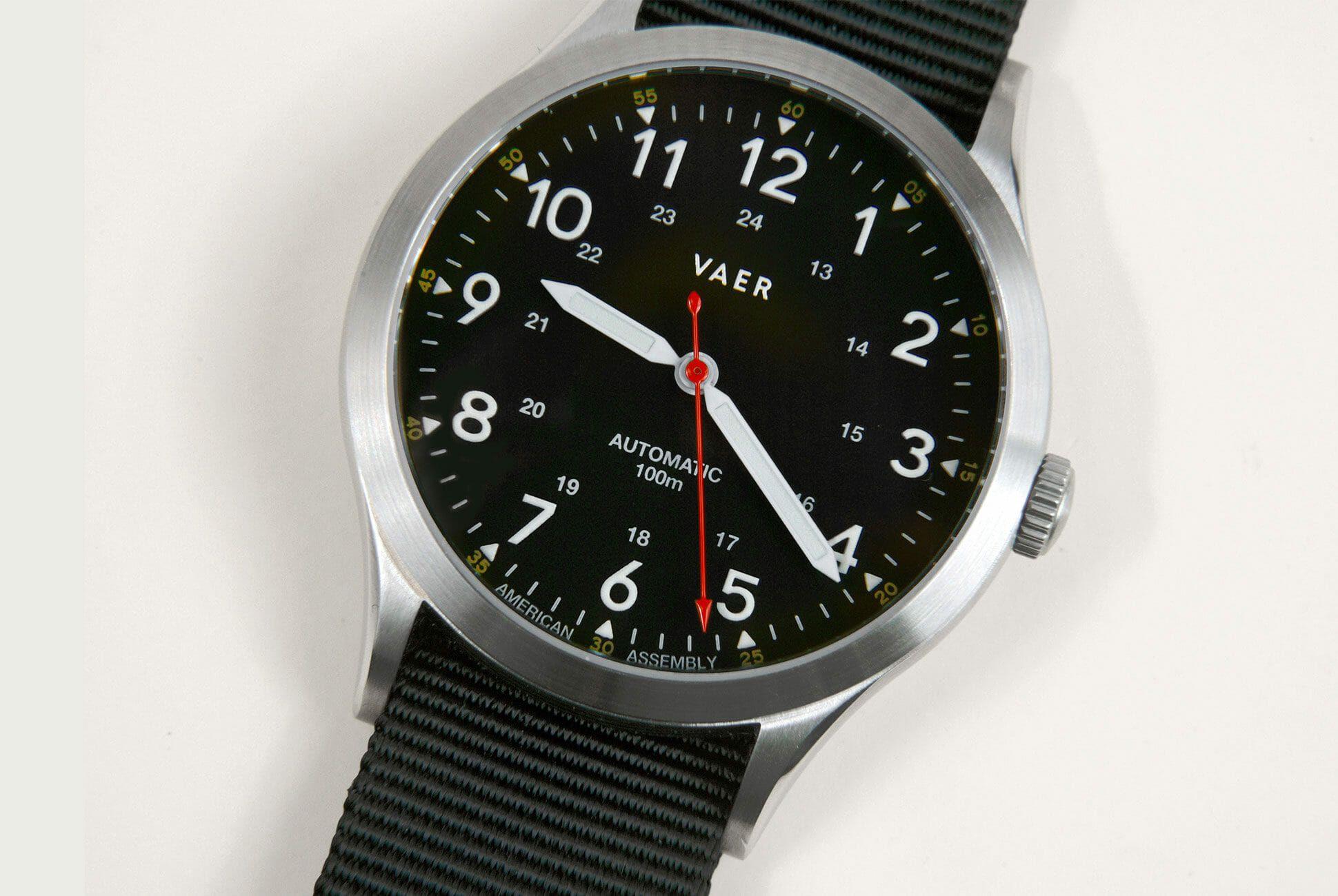 Vaer-Automatic-Field-Watches-gear-patrol-slide-3
