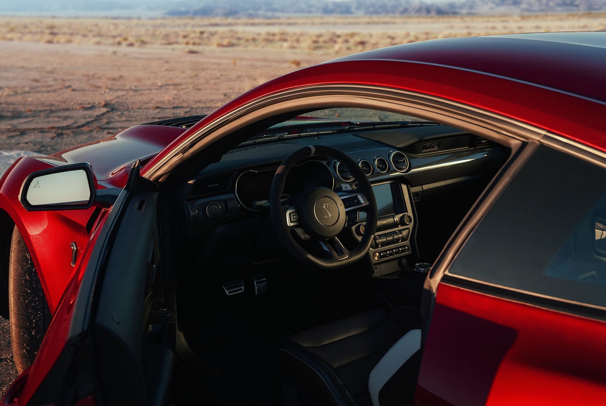 2020-Ford-Mustang-Shelby-GT500-gear-patrol-slide-5