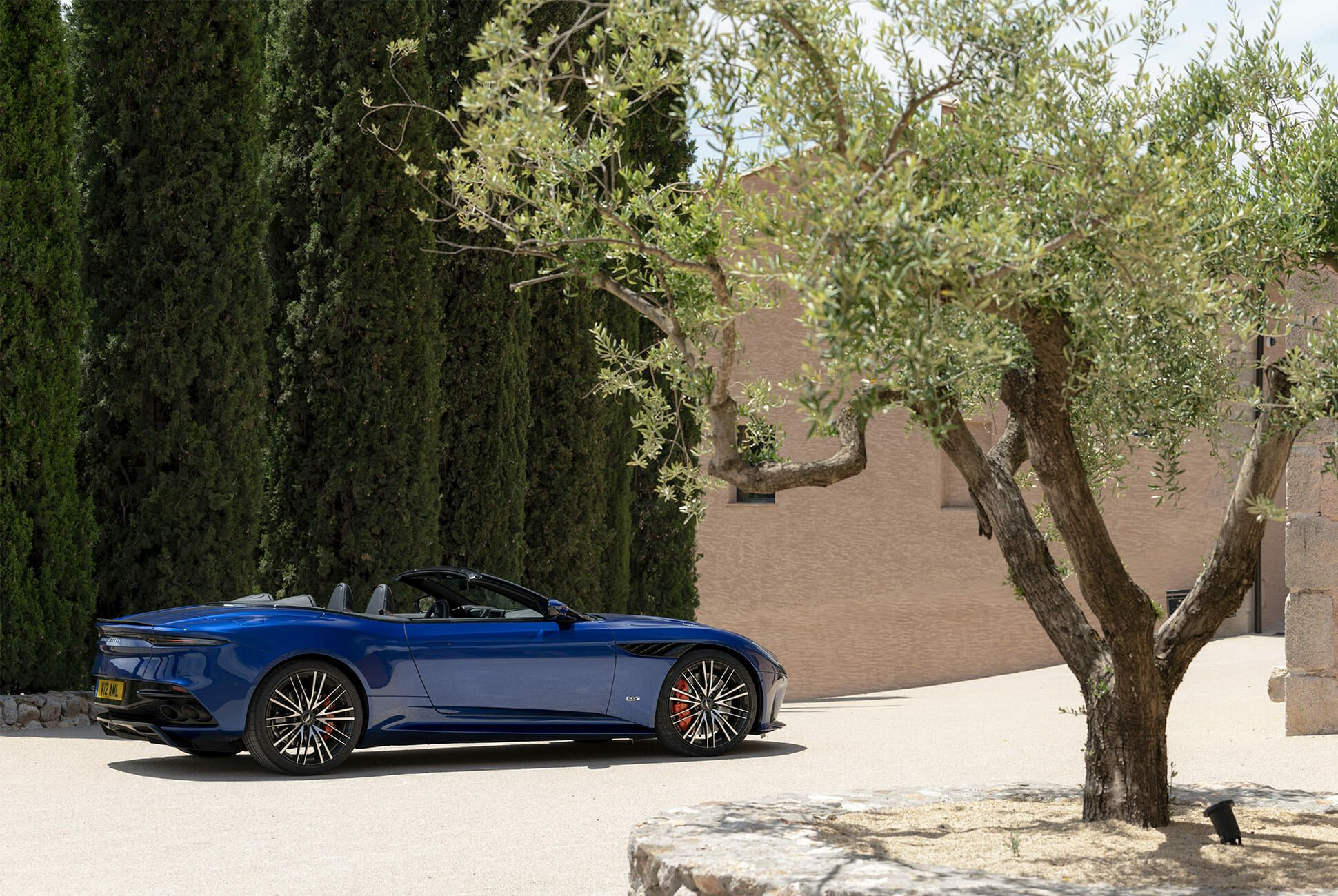 Aston-Martin-DBS-Superleggera-Volante-Review-gear-patrol-slide-2