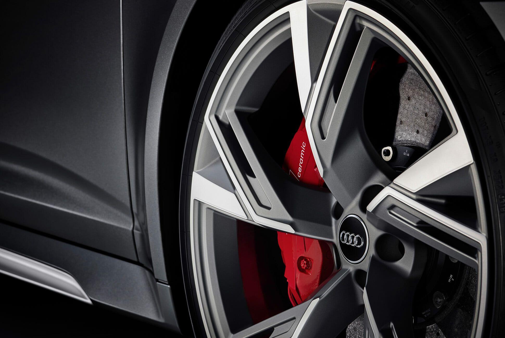 Audi-RS6-Wagon-gear-patrol-slide-4