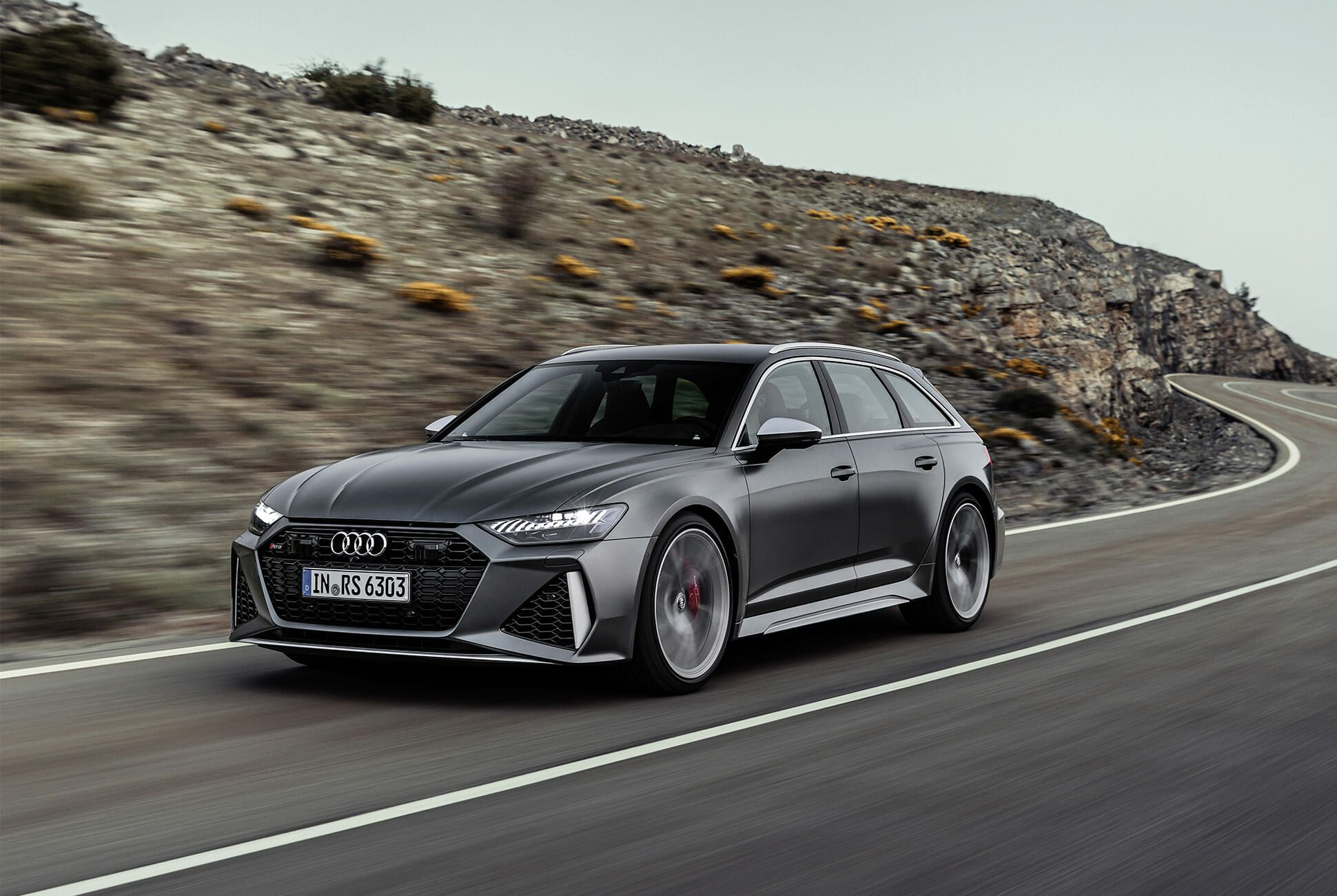 Audi-RS6-Wagon-gear-patrol-slide-7