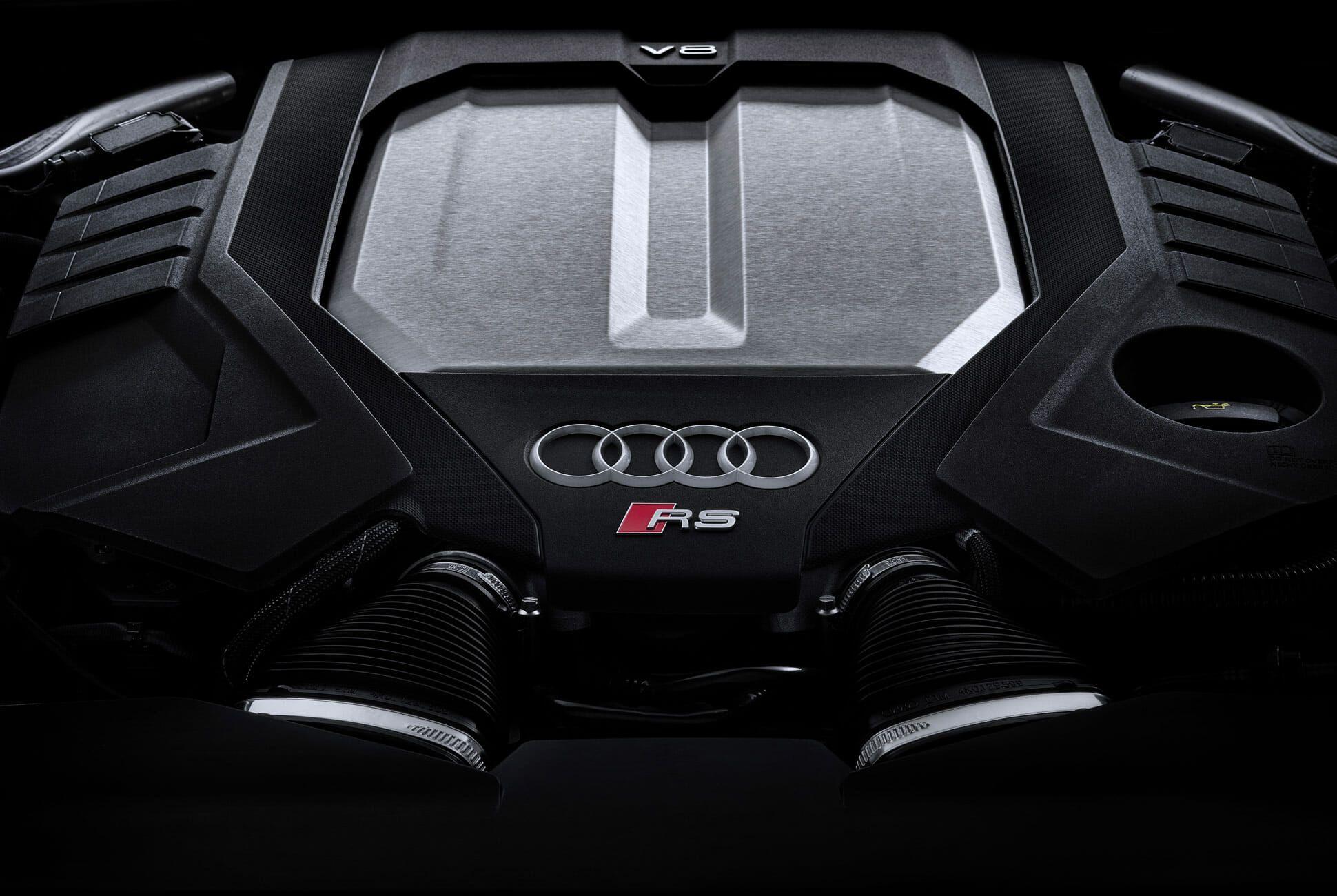Audi-RS6-Wagon-gear-patrol-slide-9