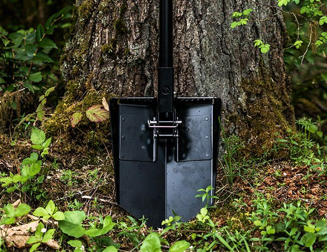 This Dynamic New Survival Shovel Has Us Dreaming of Dirt