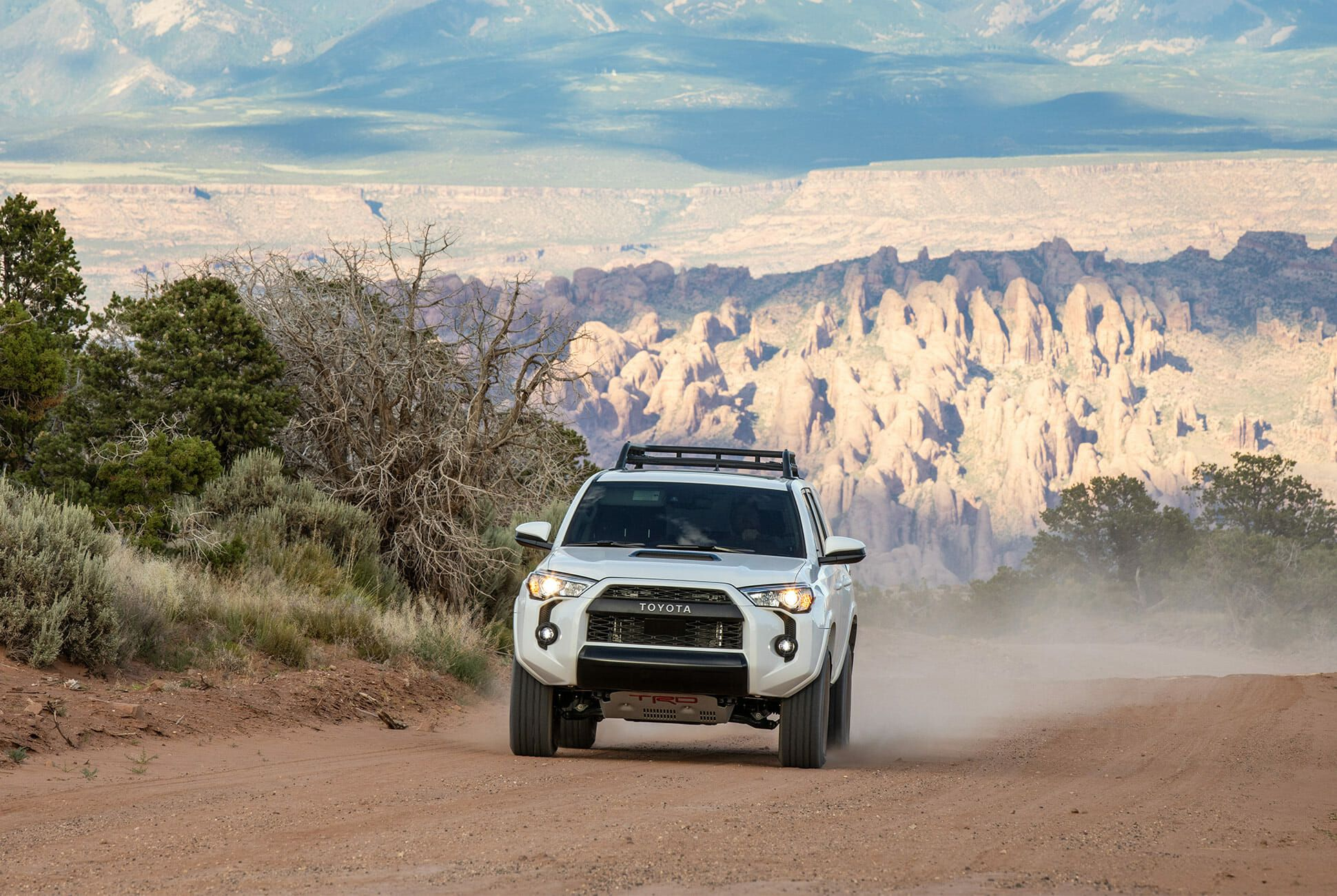 Toyota-4Runner-Tacoma-TRD-Pro-2020-gear-patrol-slide-2