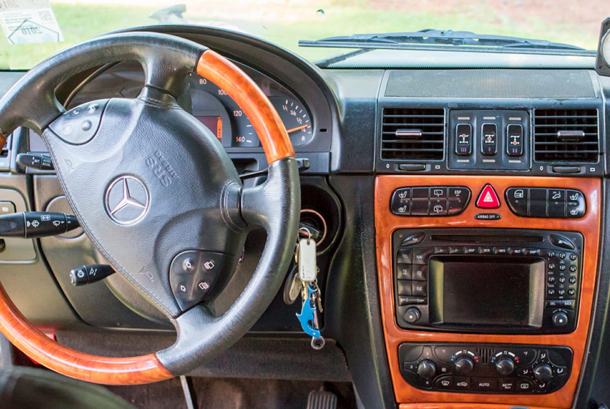 2003-Mercedes-Benz-G500-gear-patrol-slide-05