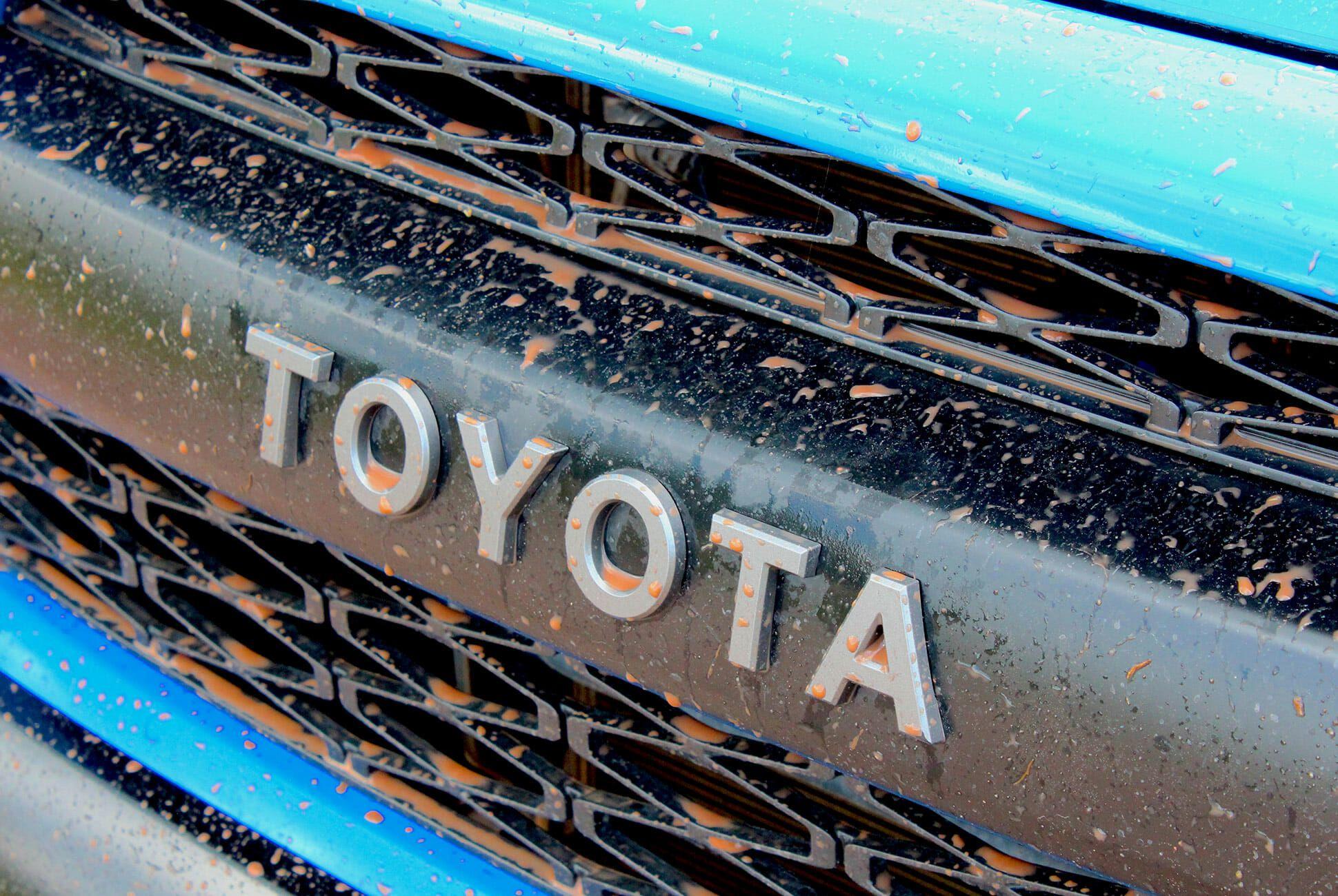 2019-Toyota-4Runner-TRD-Pro-gear-patrol-slide-4