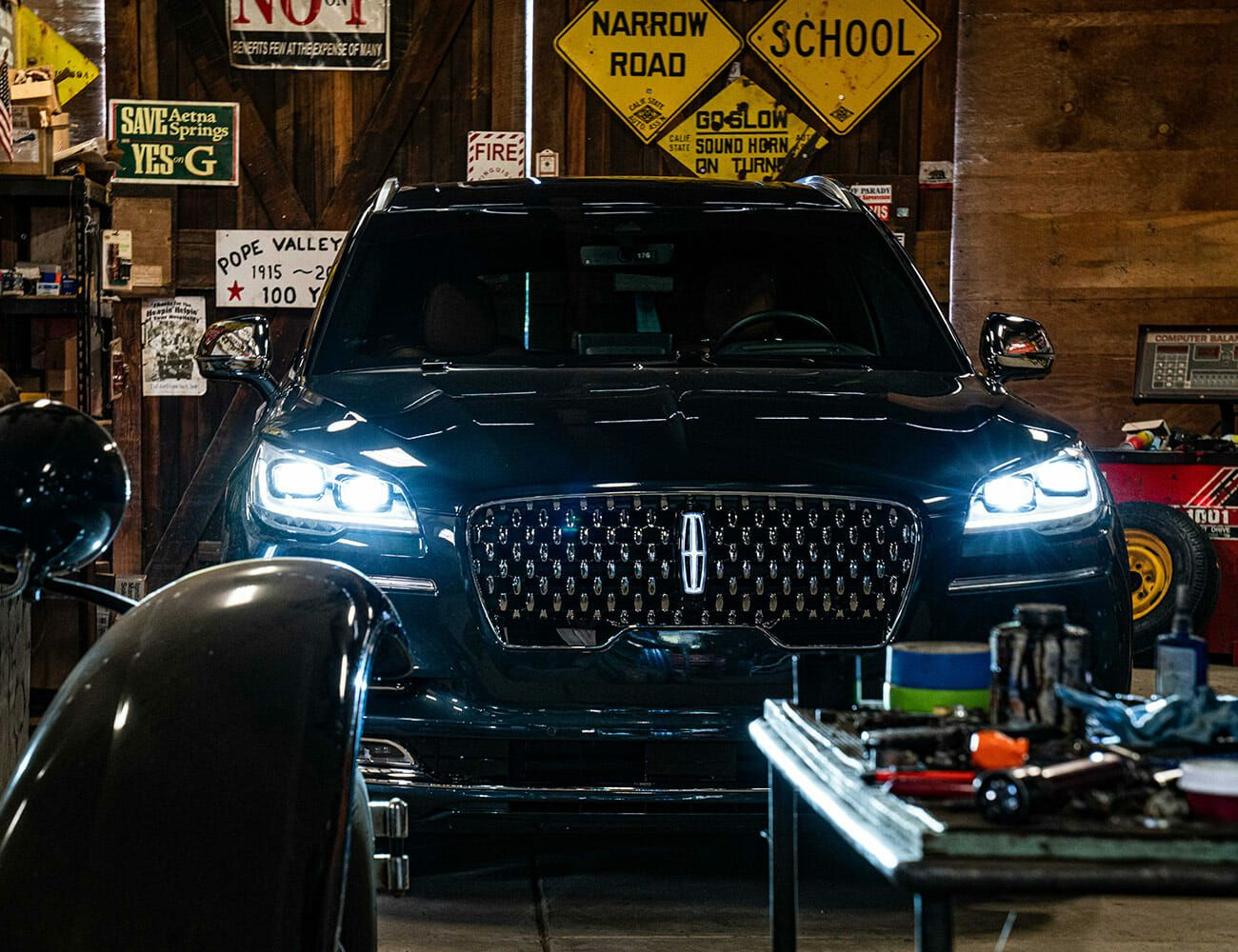 2020-Lincoln-Aviator-Review-gear-patrol-ambience-slide-3
