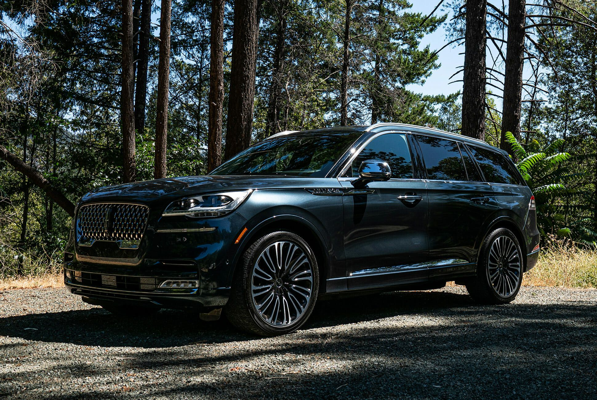 2020-Lincoln-Aviator-Review-gear-patrol-lead-slide-1