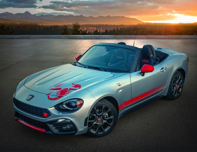 Fiat Hopes This Giant Graphic Will Help Sell America's Least Popular Car