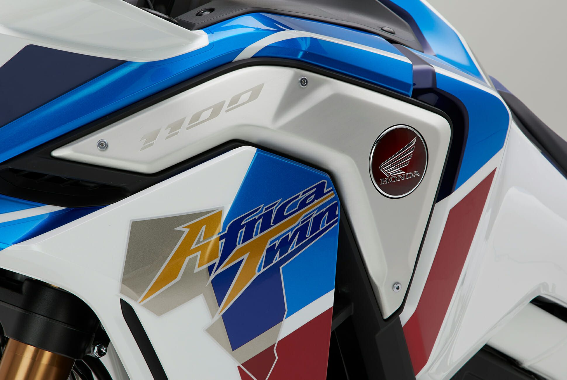 Honda-Africa-Twin-gear-patrol-slide-04