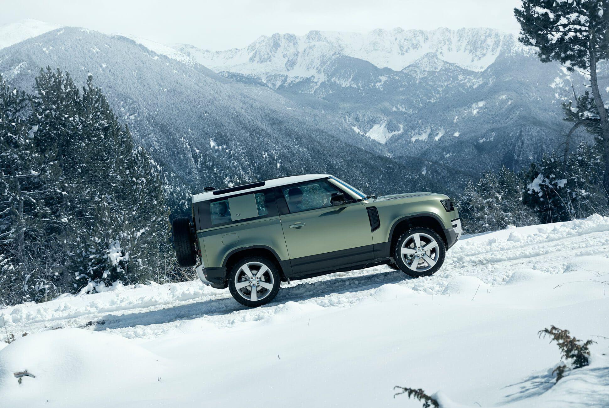 Land Rover Defender Gear Patrol-Exterior Action-Slide-04