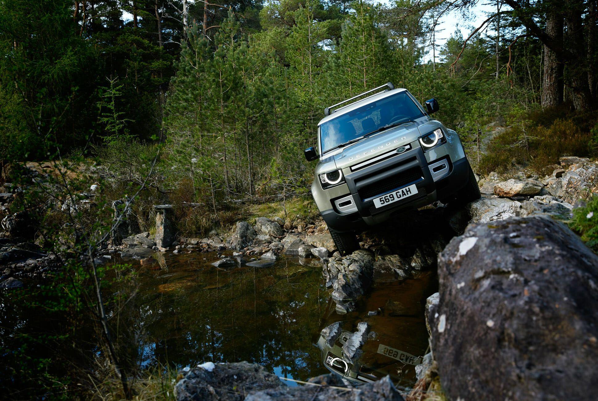 Land Rover Defender Gear Patrol-Exterior Action-Slide-10