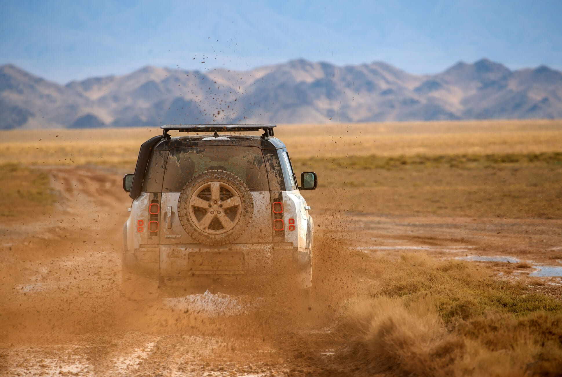 Land Rover Defender Gear Patrol-Exterior Action-Slide-15