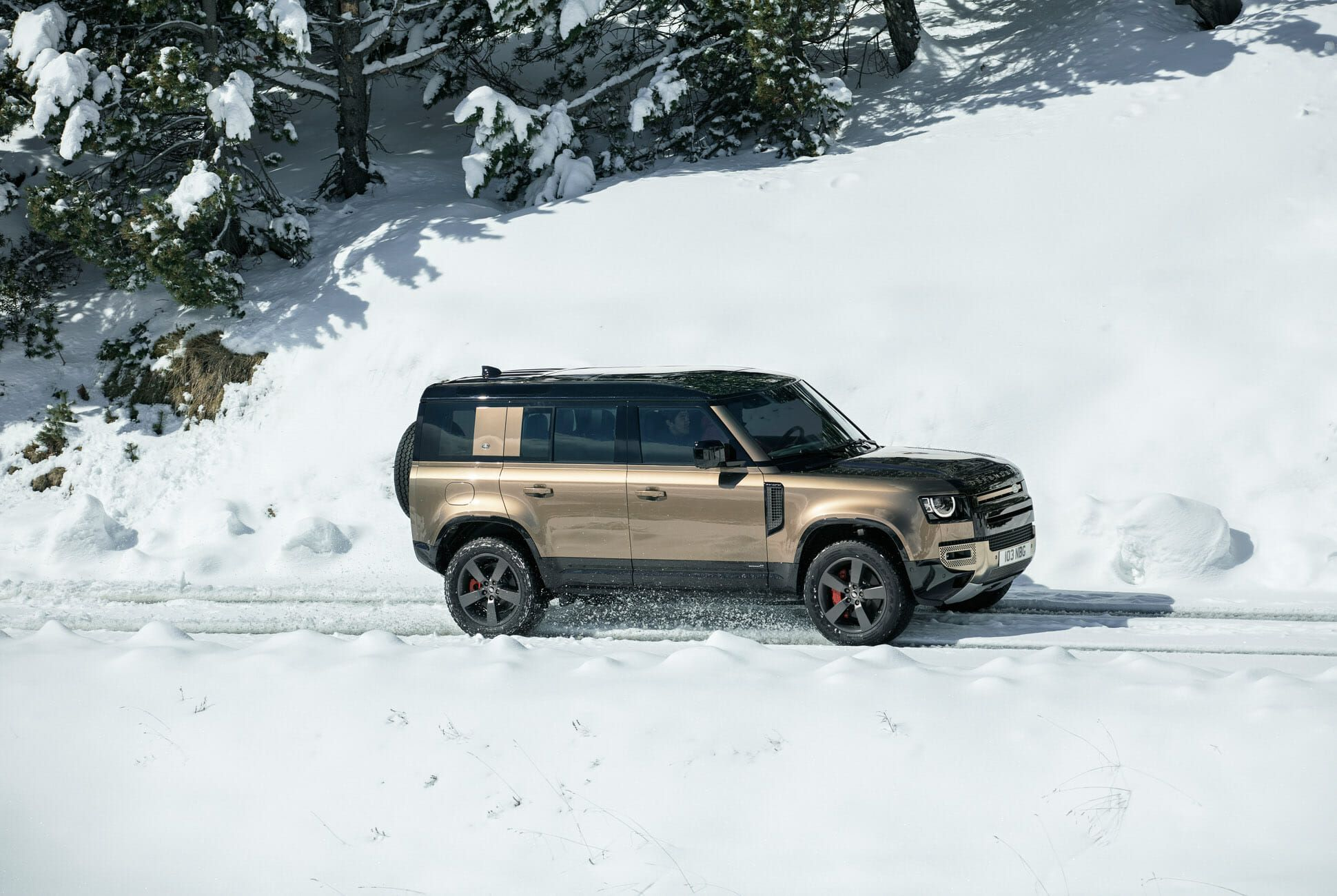 Land Rover Defender Gear Patrol-Exterior Action-Slide-27