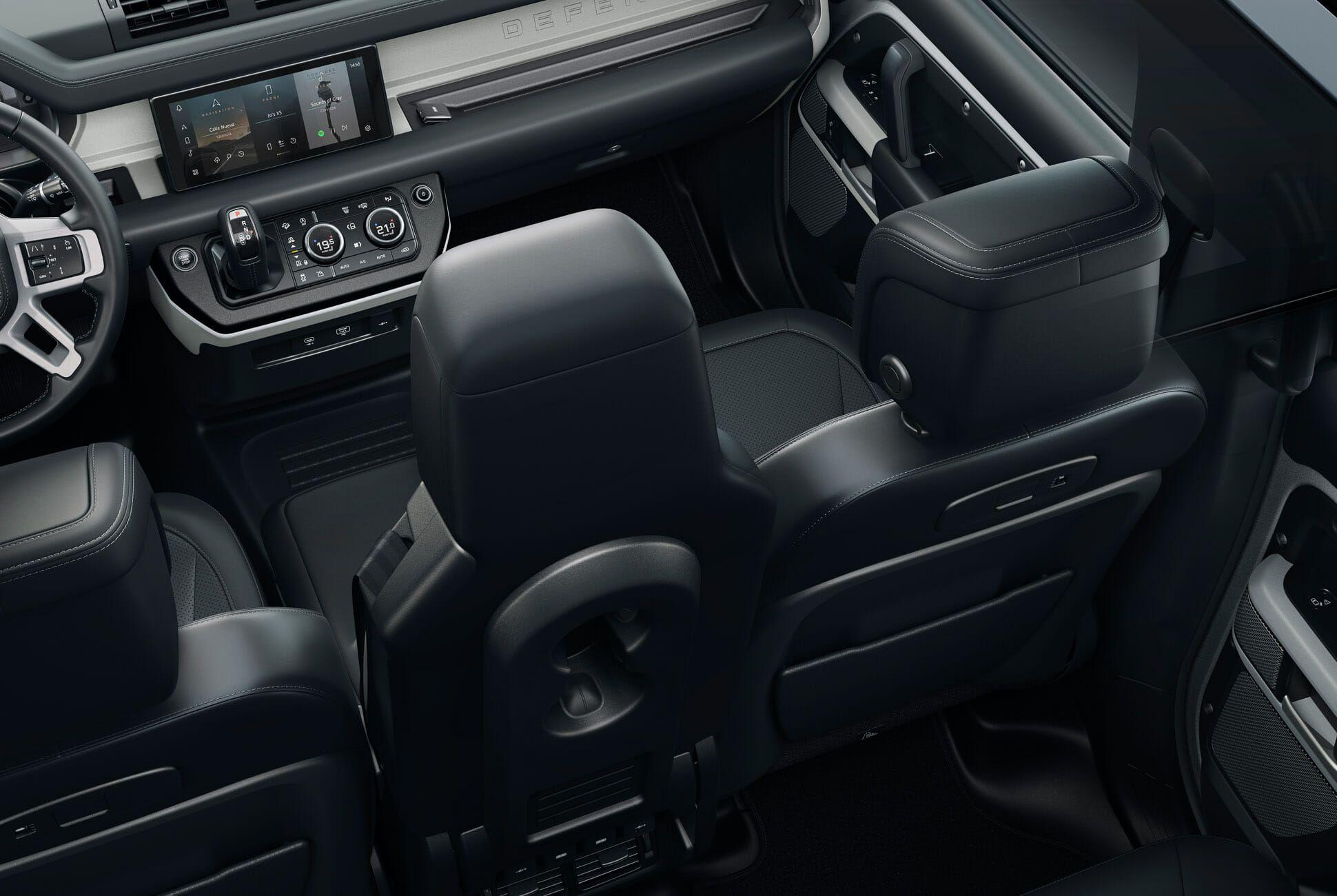 Land Rover Defender Gear Patrol-Interior-Slide-03