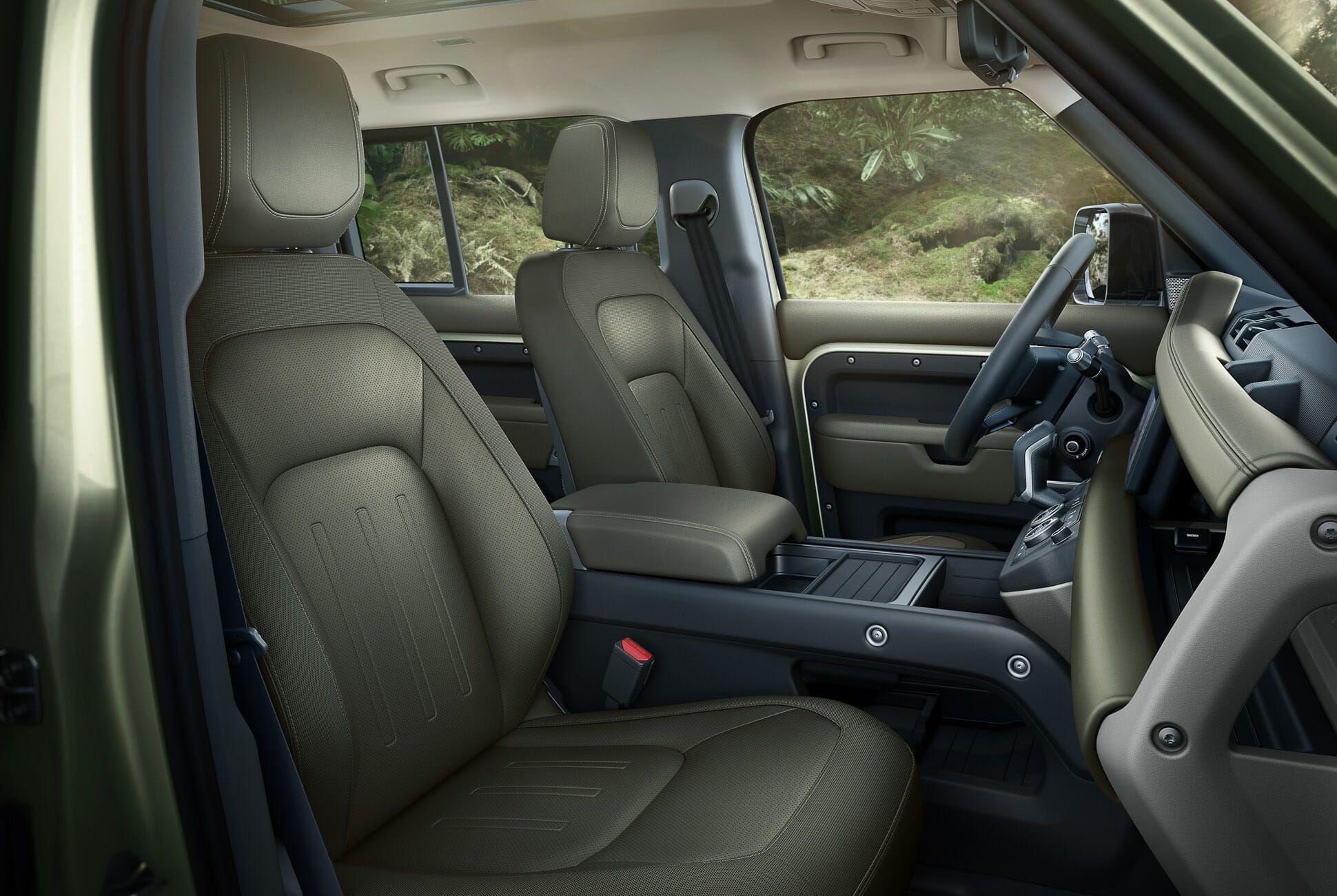 Land Rover Defender Gear Patrol-Interior-Slide-04