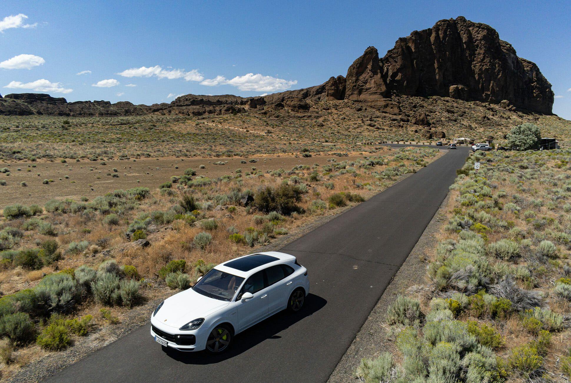 Pair-of-High-Tech-Porsche-Cayenne-Hybrids-gear-patrol-Fort-ambience-5