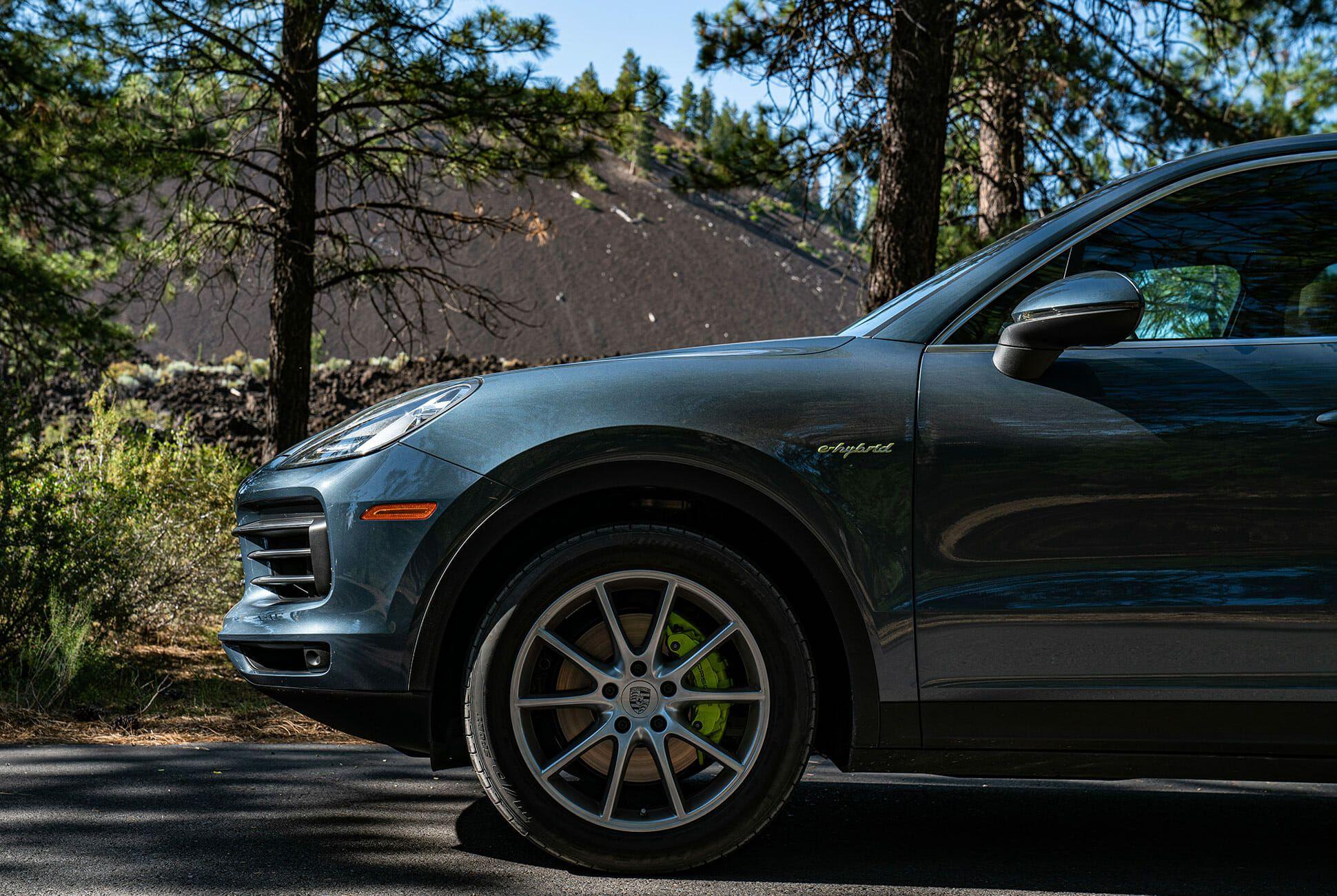 Pair-of-High-Tech-Porsche-Cayenne-Hybrids-gear-patrol-Lava-ambience-1