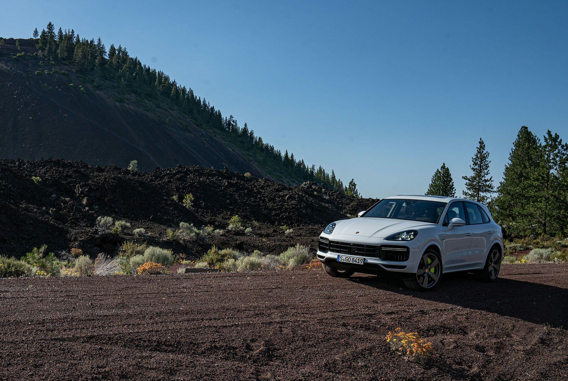 Pair-of-High-Tech-Porsche-Cayenne-Hybrids-gear-patrol-Lava-ambience-5
